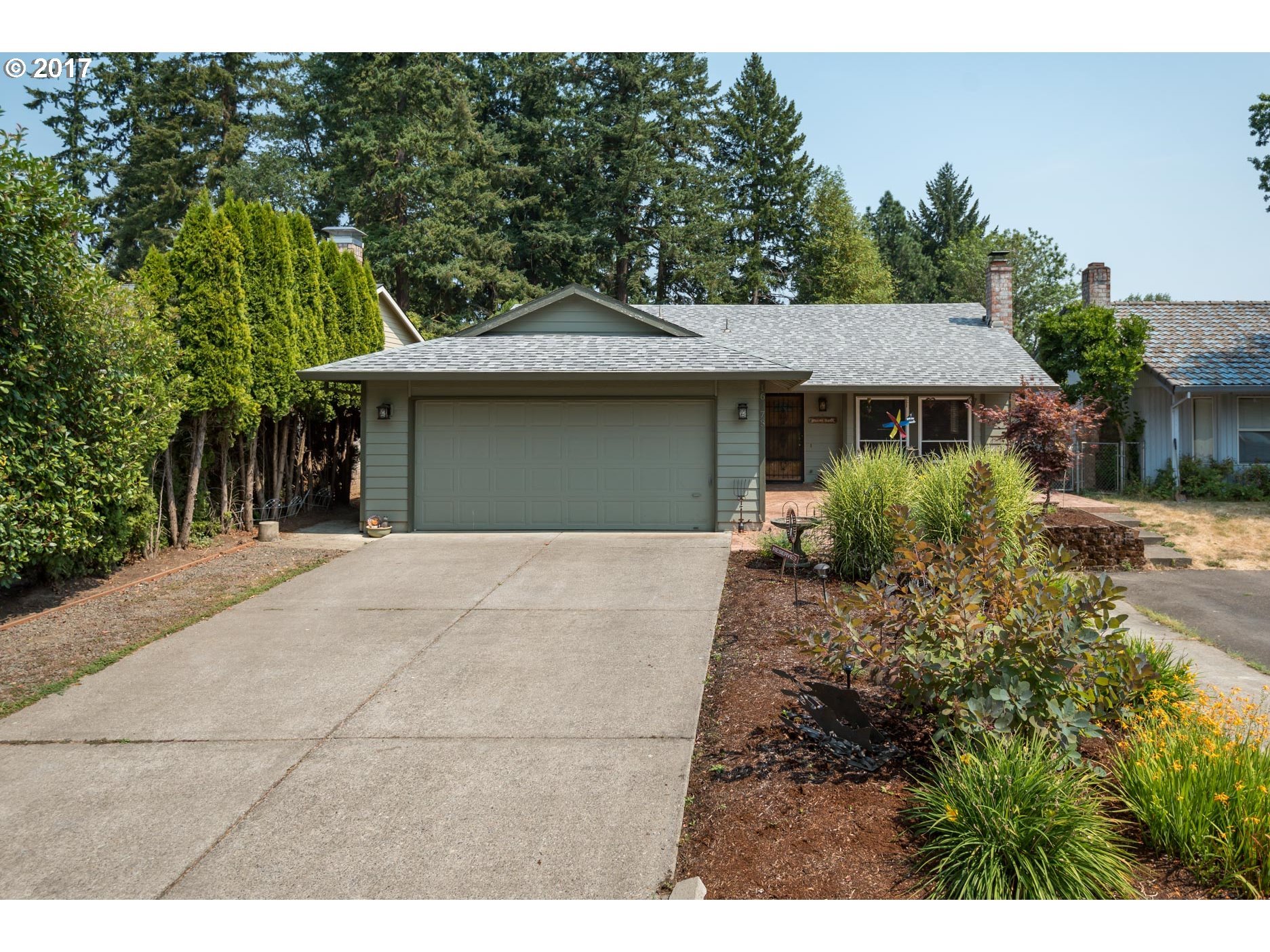 Must see!!! One level home with spacious floor plan, quiet street and great backyard for entertaining. Just minutes to Nike, Intel and freeway.