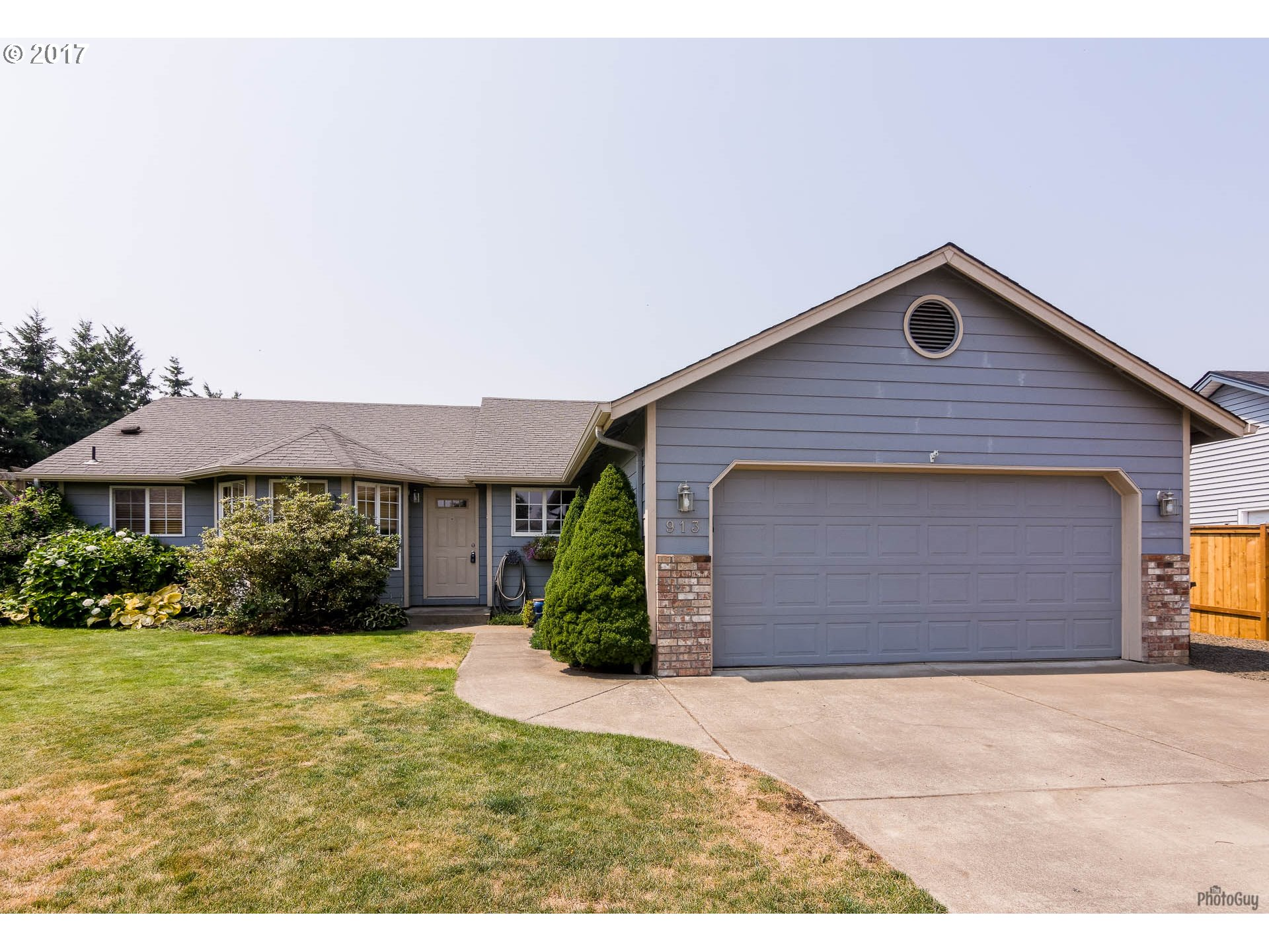 913 W 17th AVE, Junction City, OR 97448