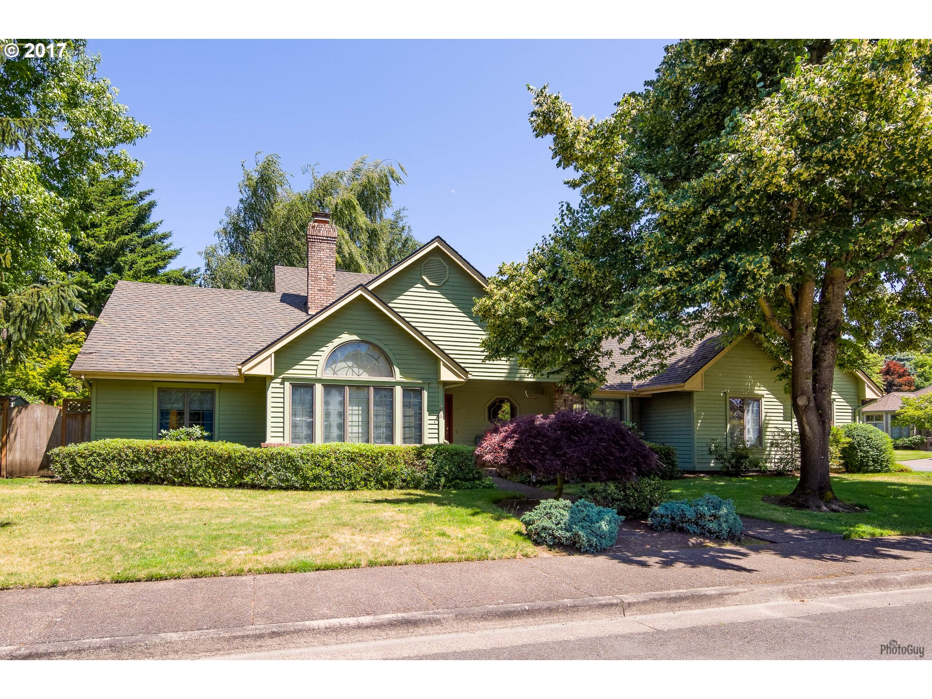 1311 VICTORIAN WAY, Eugene, OR 97401