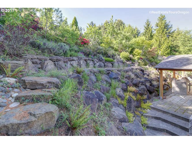 13111 SW ROCKINGHAM DR Tigard, OR 97223 - MLS #: 17199279