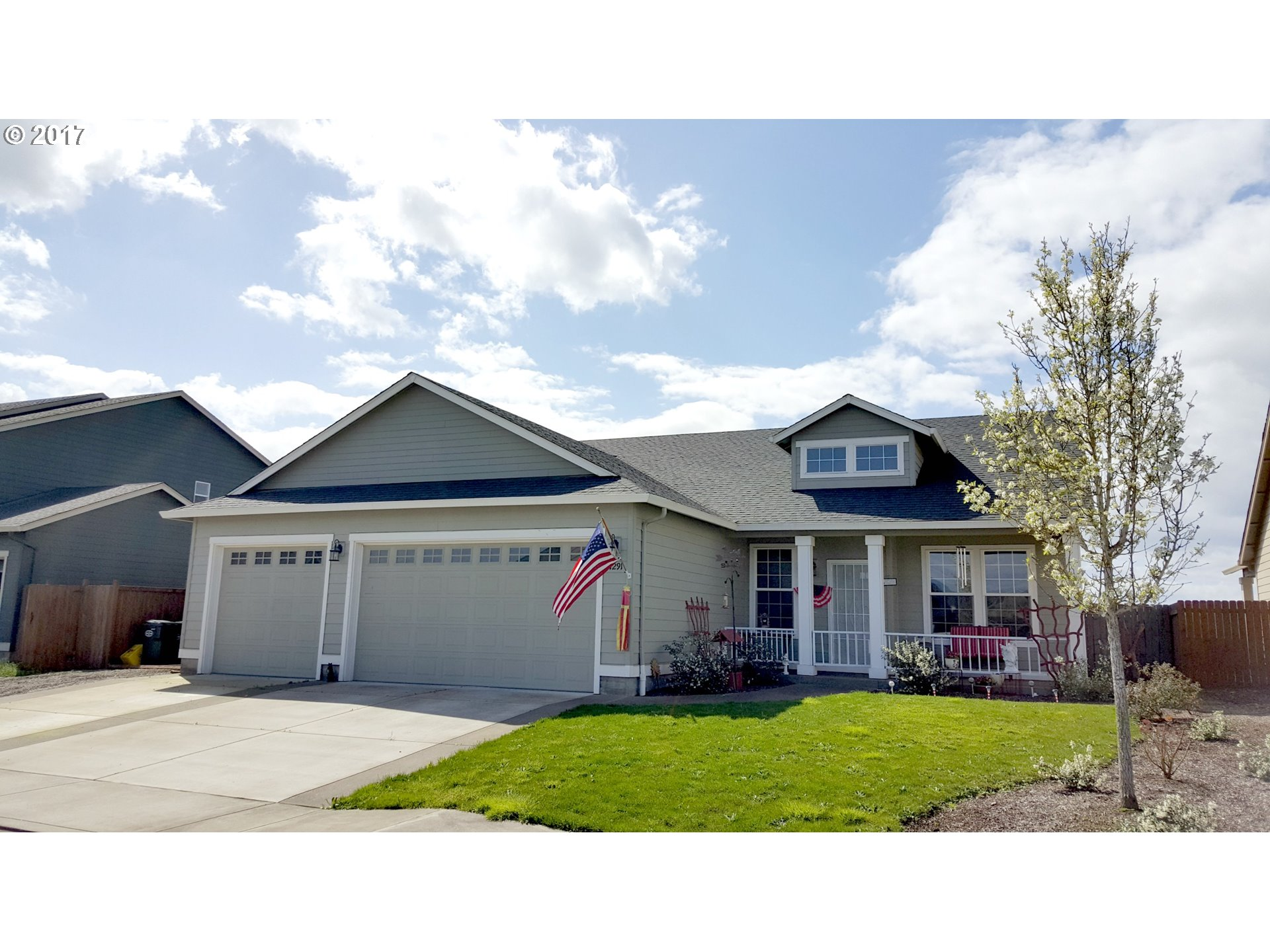 1291 Echo Valley DR, Junction City, OR 97448