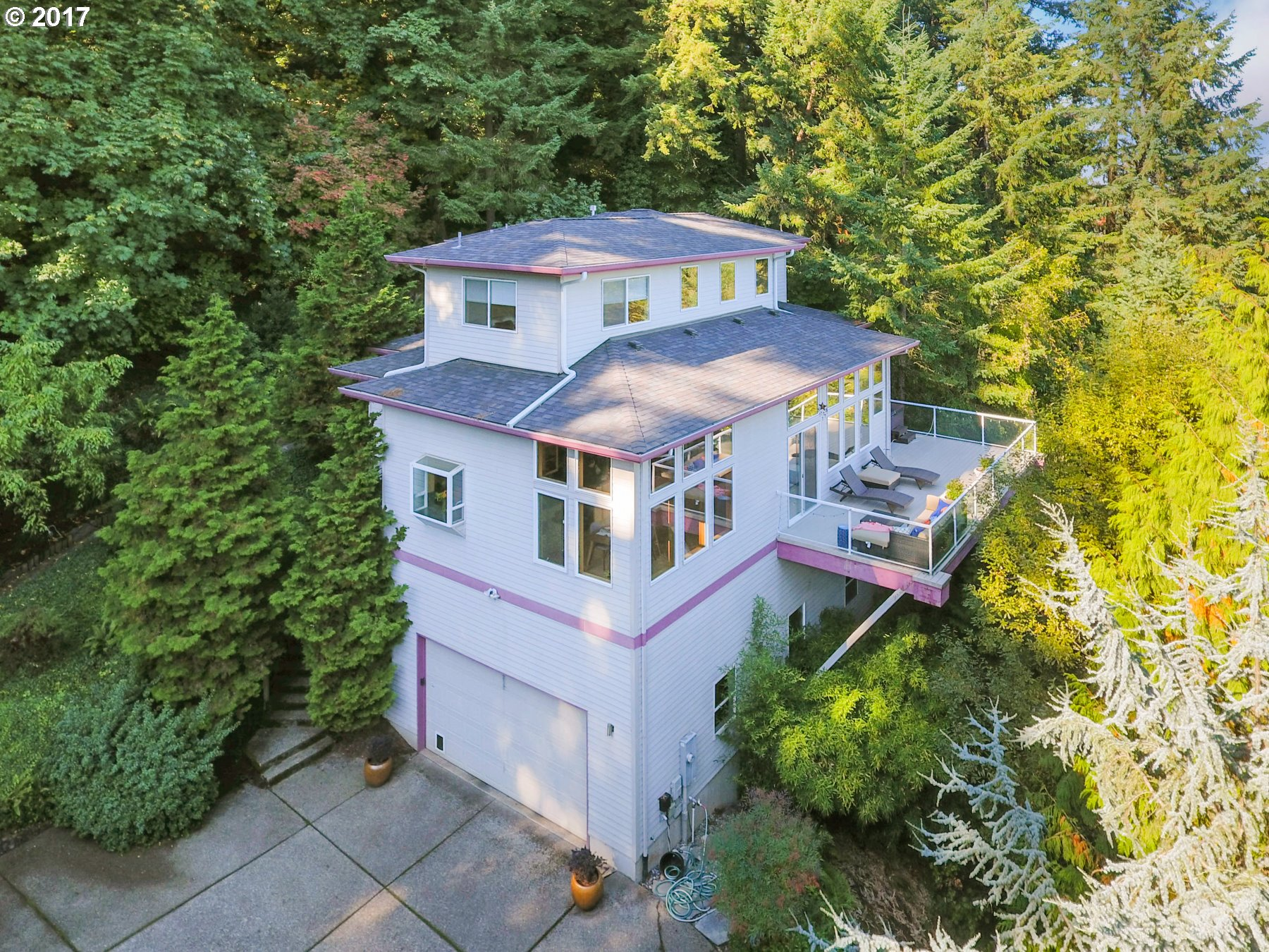 18400 HILLSIDE CT, West Linn, OR 97068
