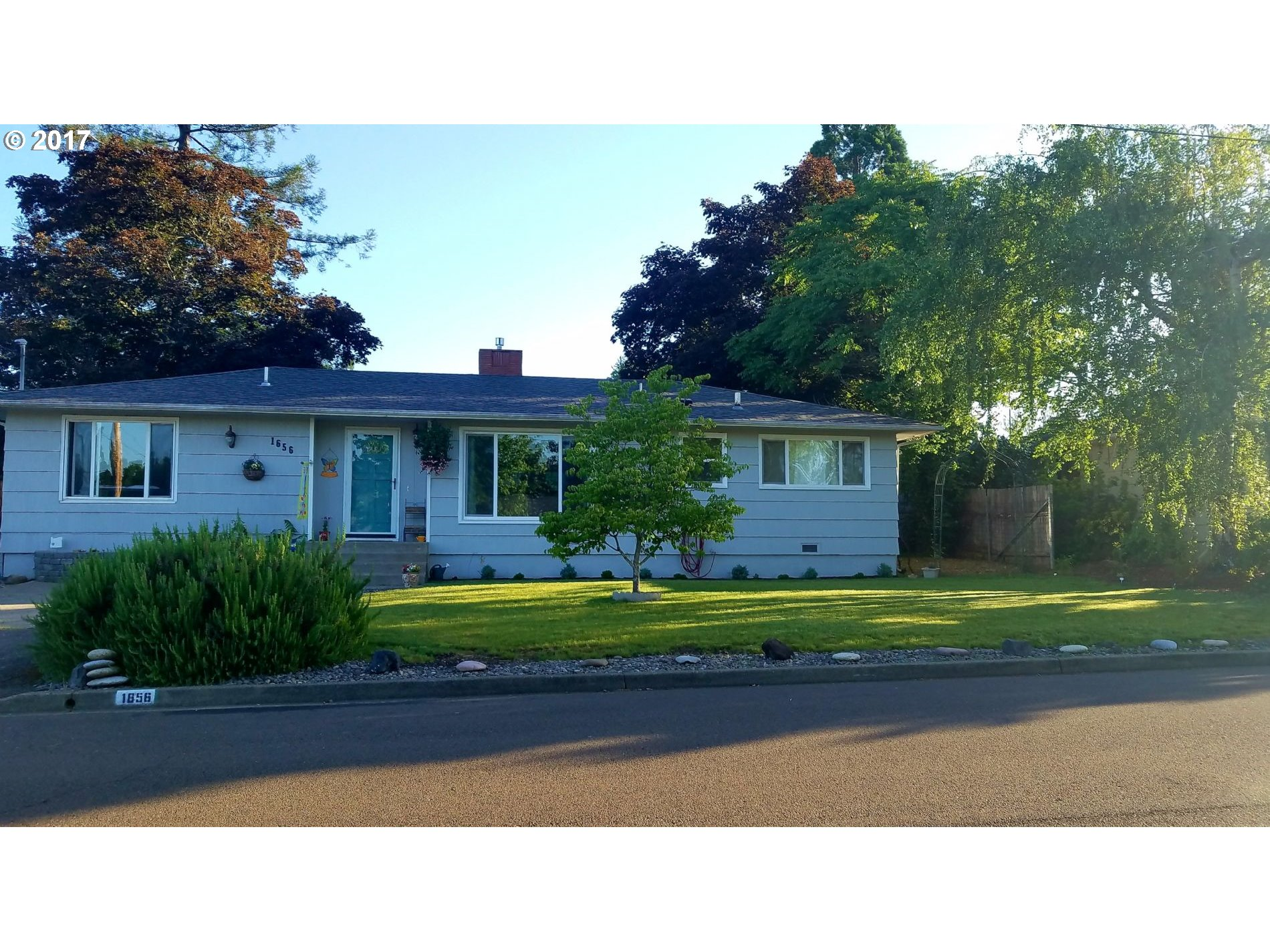1656 NW BEAUMONT AVE, Roseburg, OR 97471
