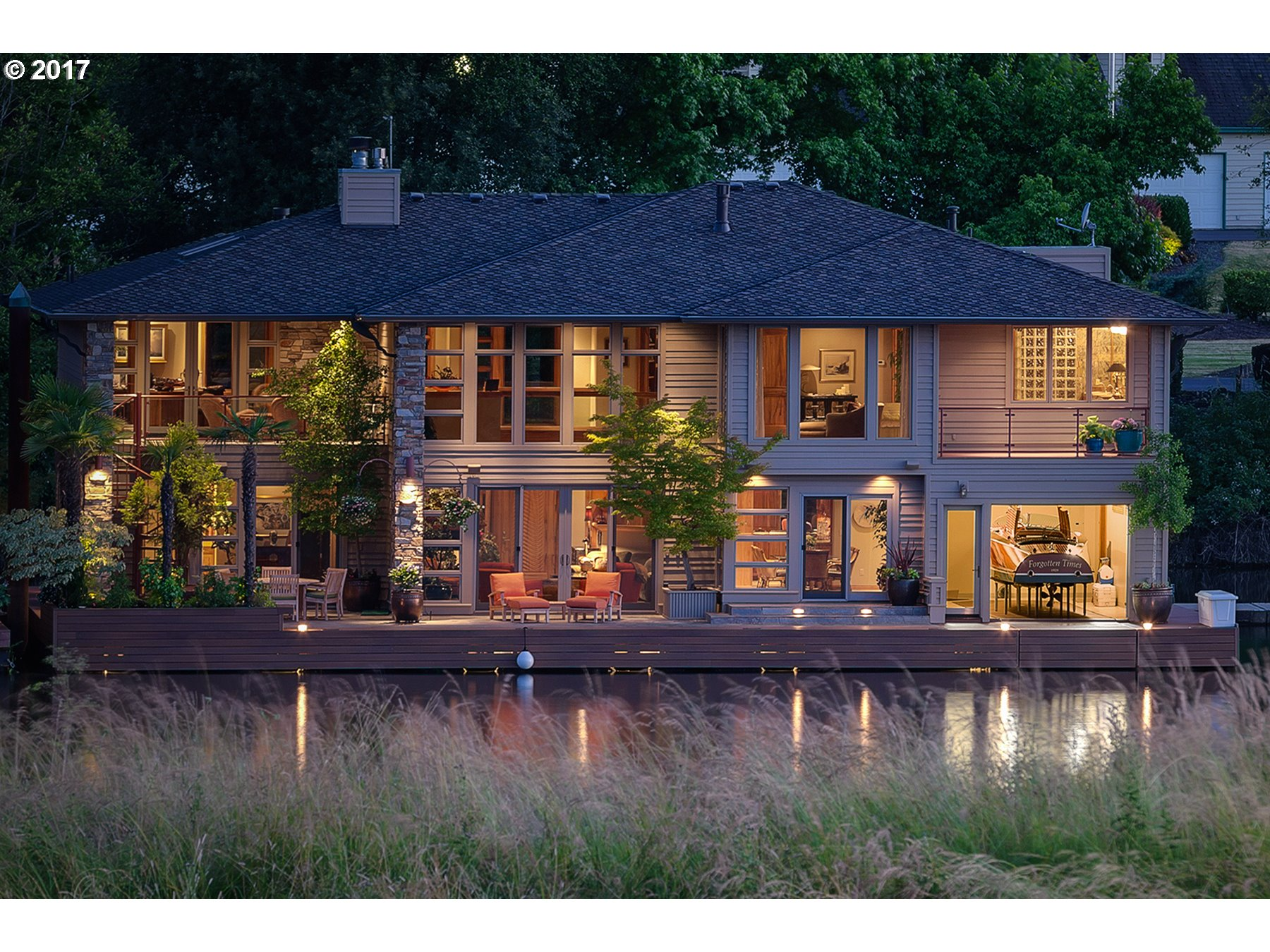 Floating homes for sale in portland oregon floating home Floating homes portland