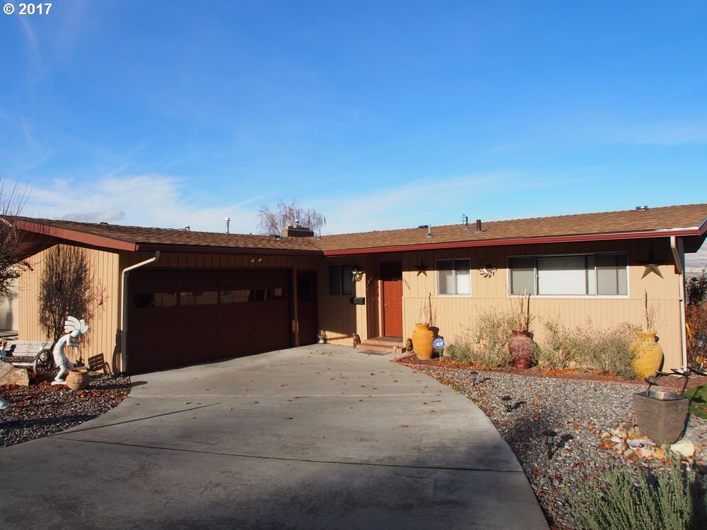 1705 ESTHER WAY, THE DALLES, OR 97058