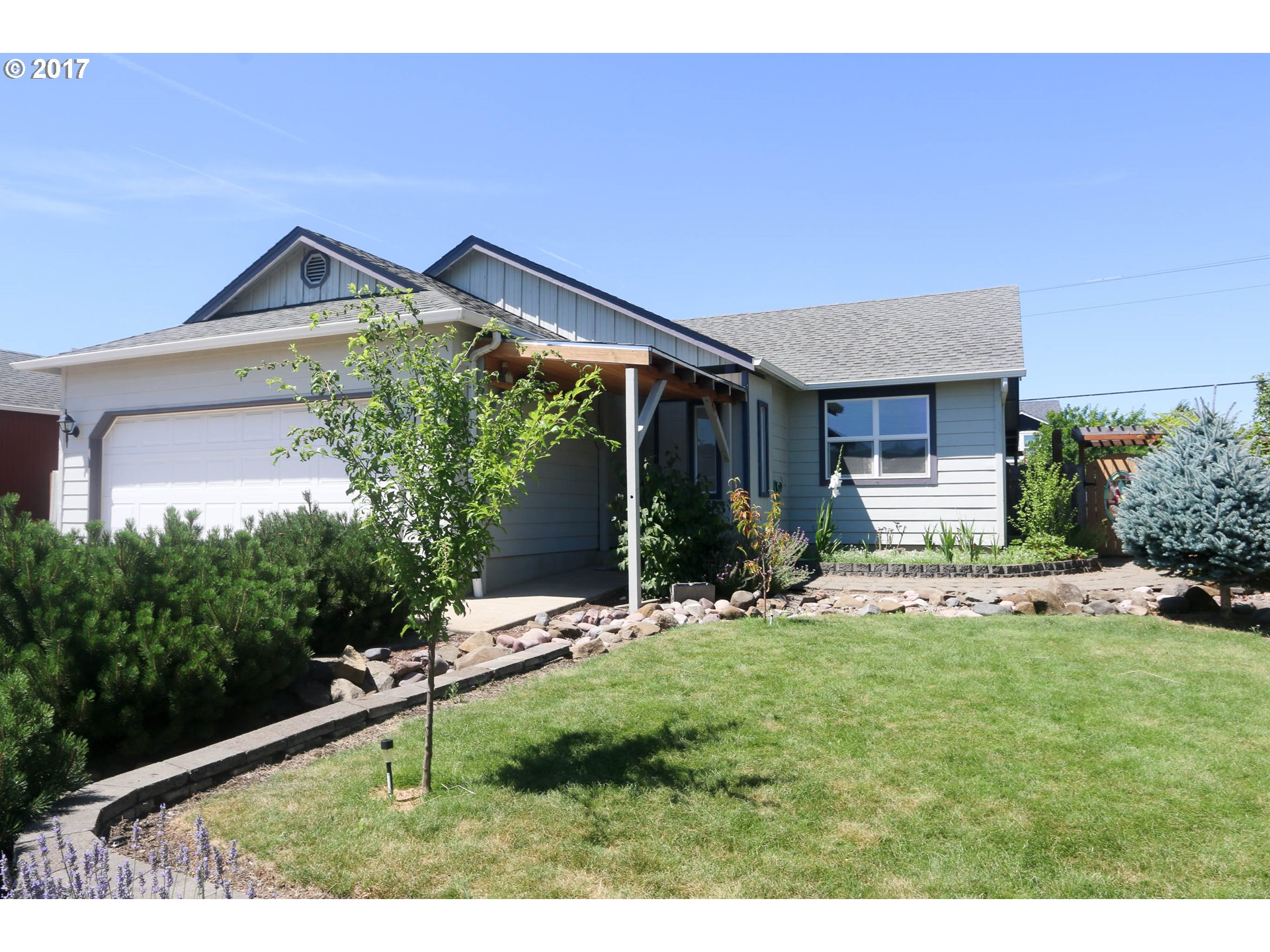 154 ROBIN CT, Creswell, OR 97426