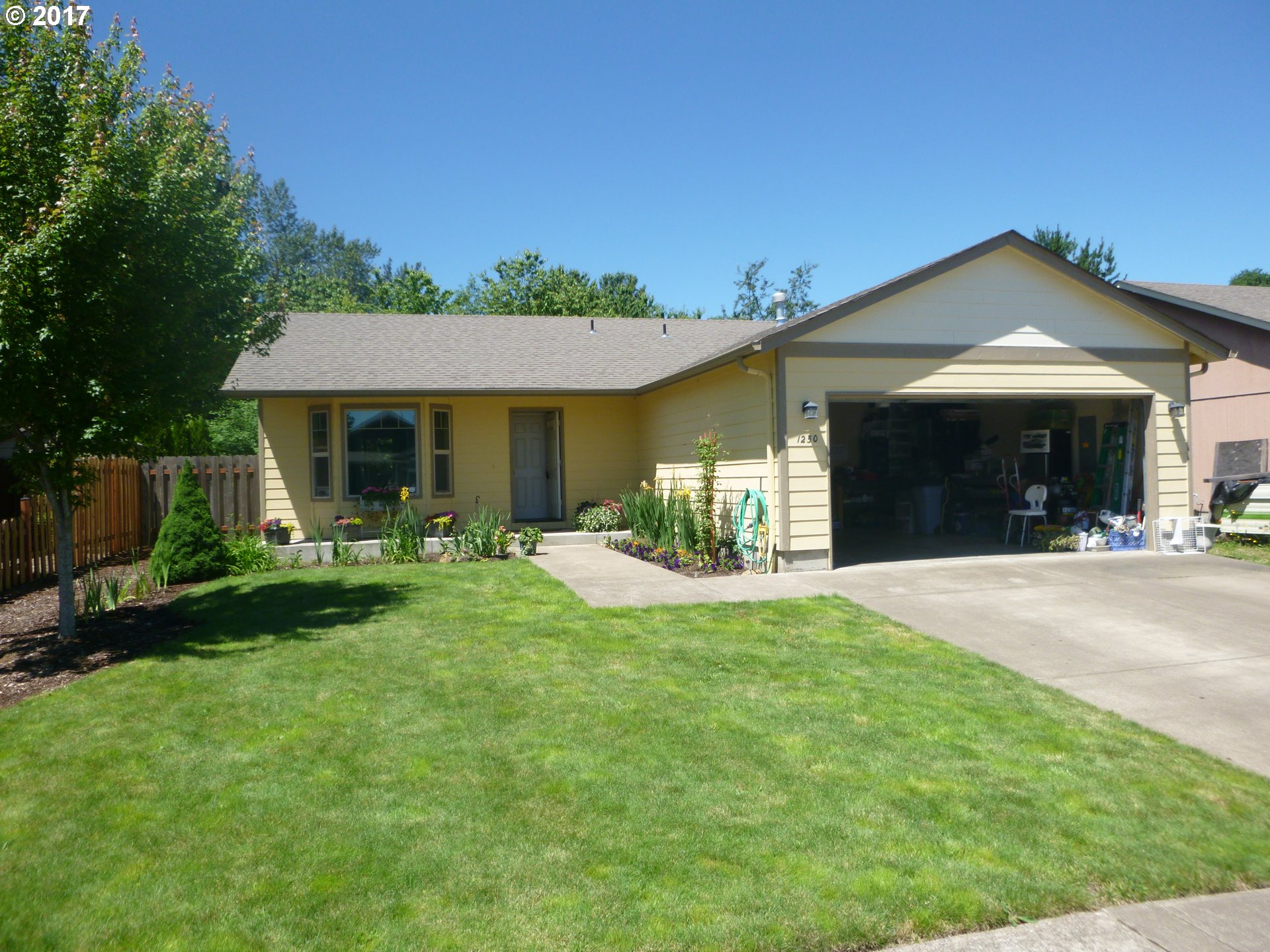 1250 W 40TH AVE, Sweet Home, OR 97386