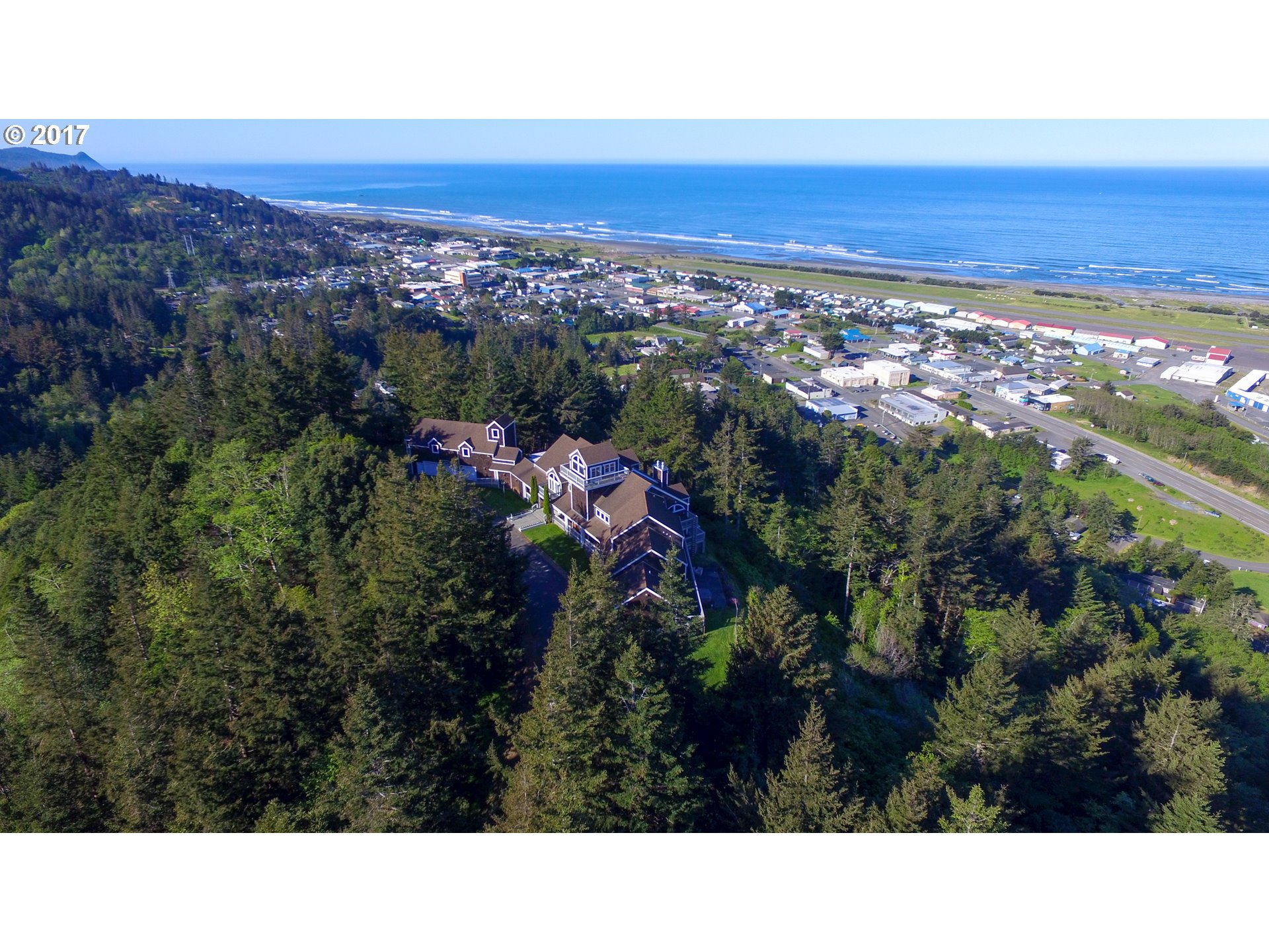 Gold Beach, OR 8 Bedroom Home For Sale