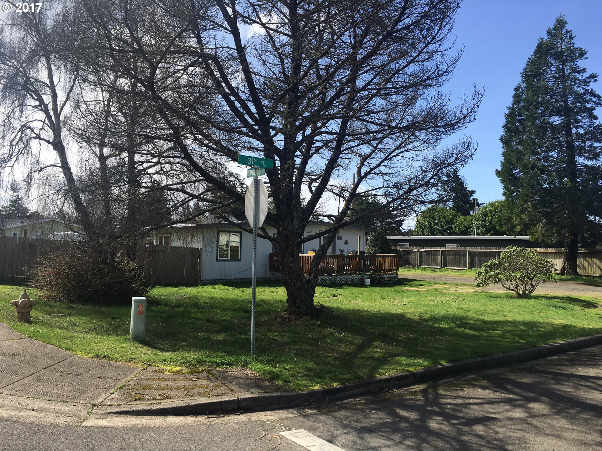 1986 31ST ST, Florence, OR 97439