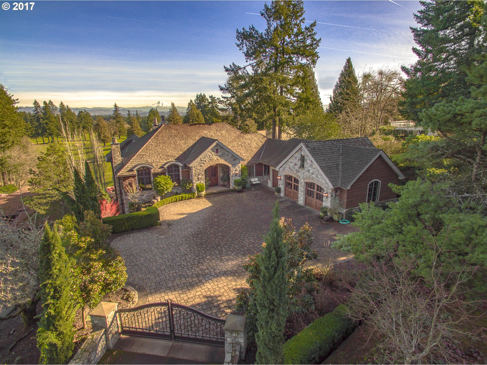 14390 UPLANDS DR, Lake Oswego, OR 97034