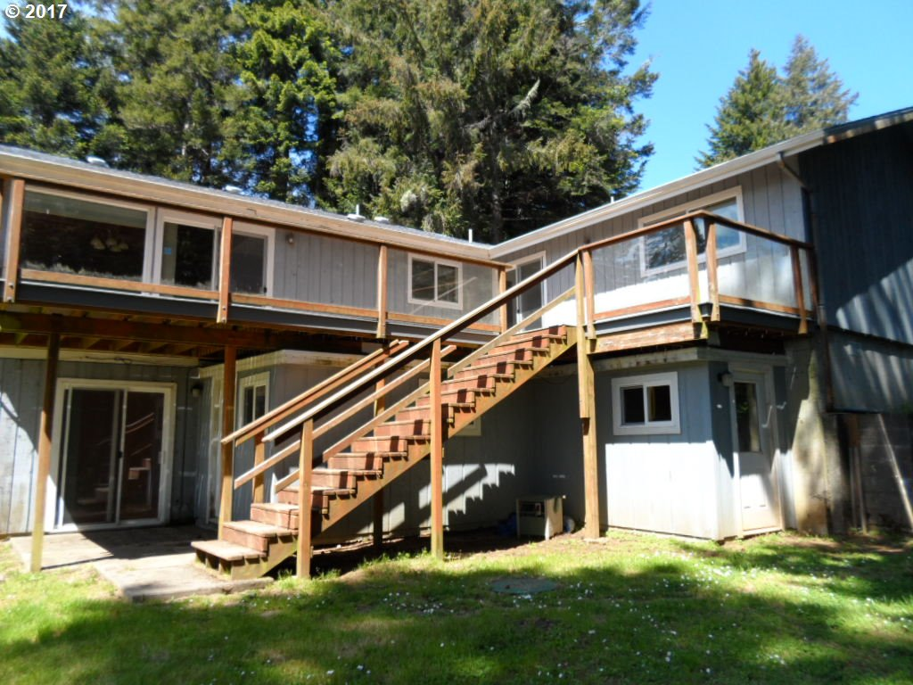 67284 Shorewood DR North Bend, OR 97459 - MLS #: 17233650
