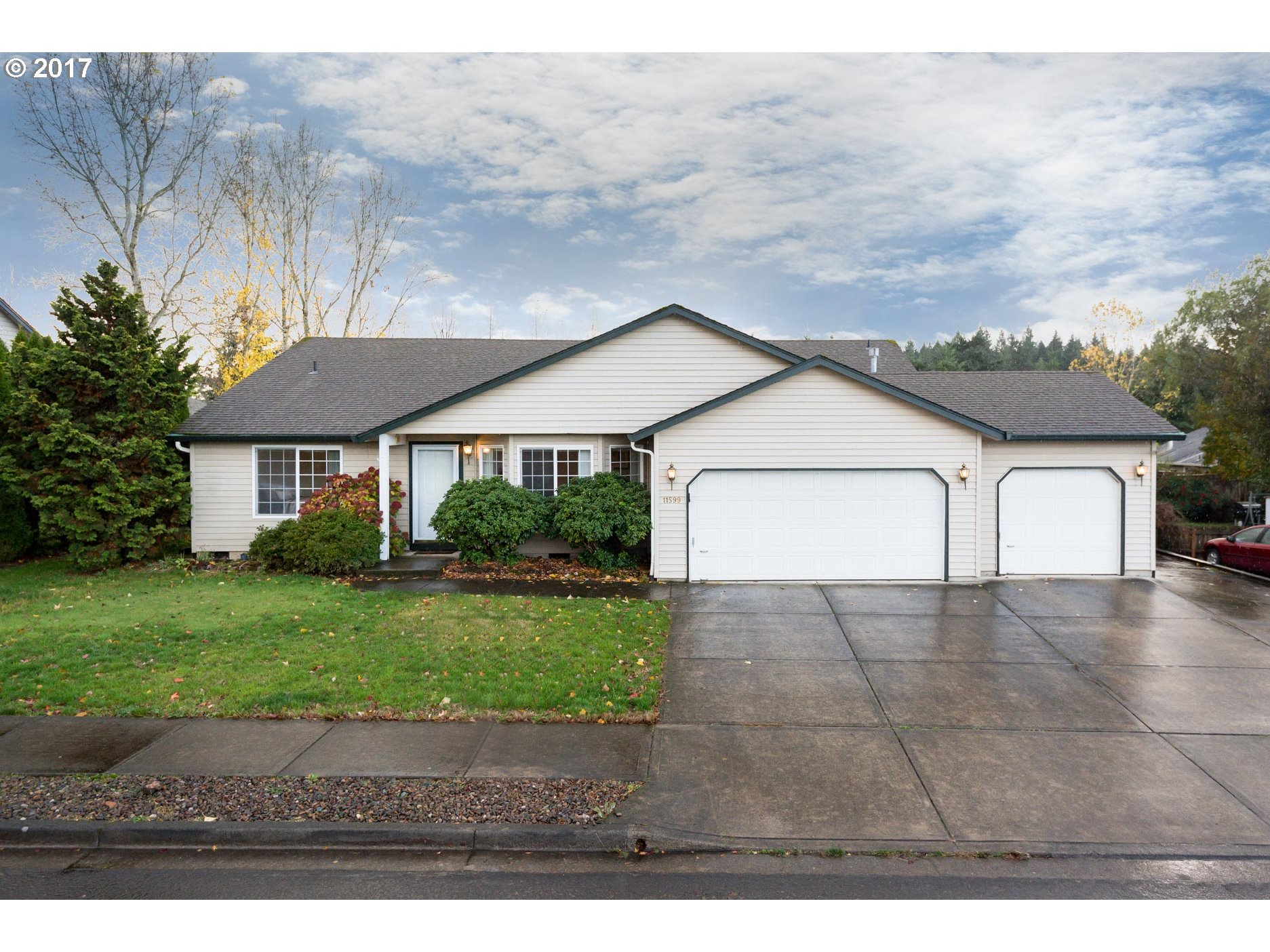 11599 DAHLIA TER, Oregon City, OR 97045