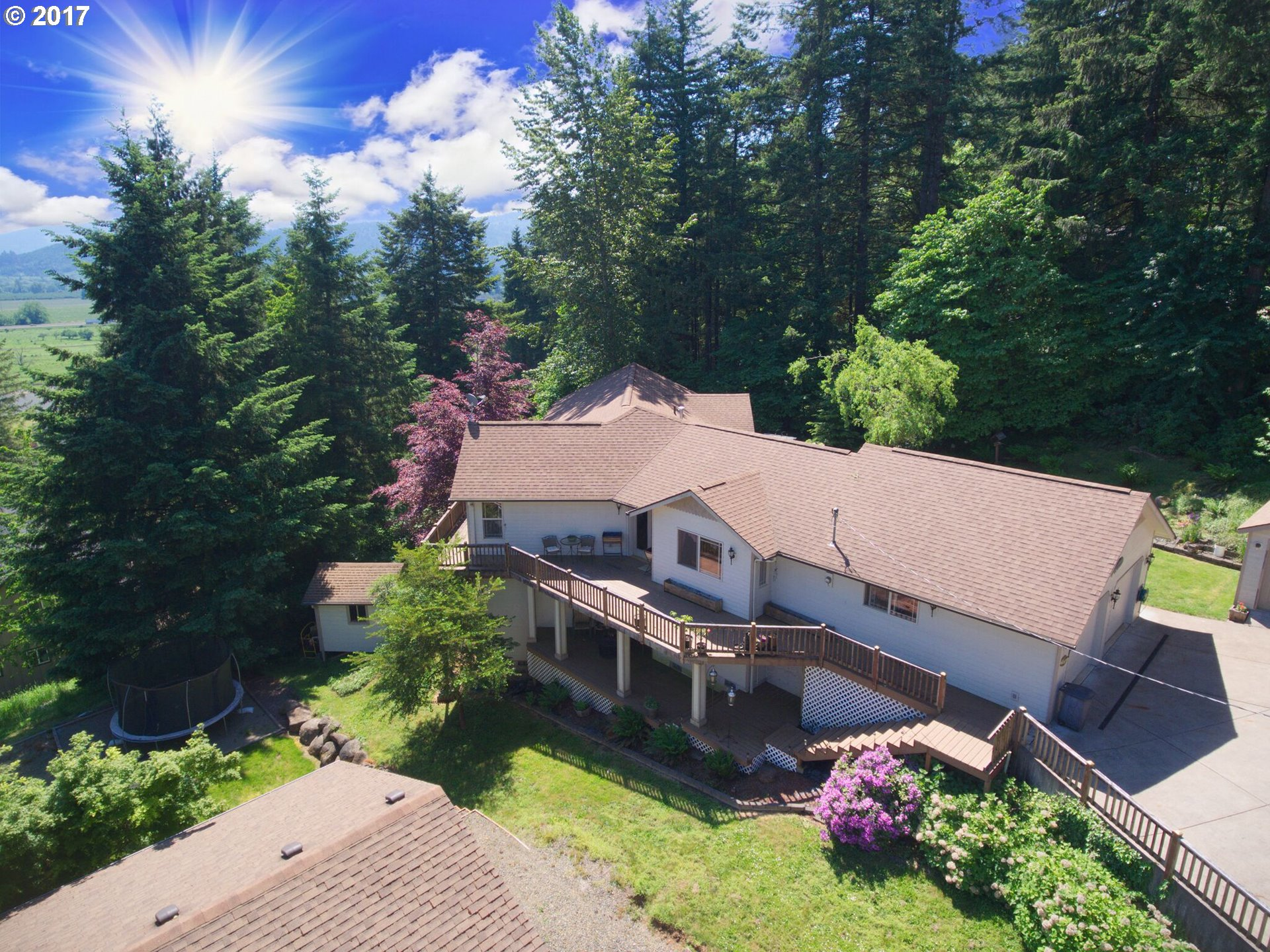 780 HOLBROOK LN, Creswell, OR 97426