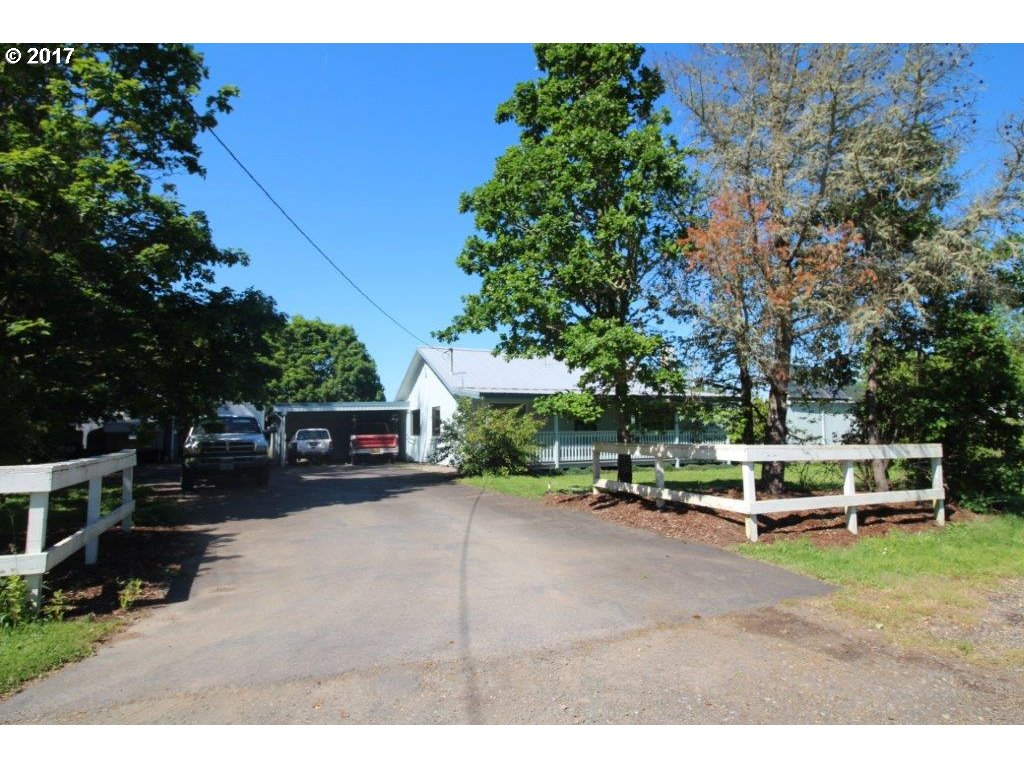 33705 E RIVER DR, Creswell, OR 97426