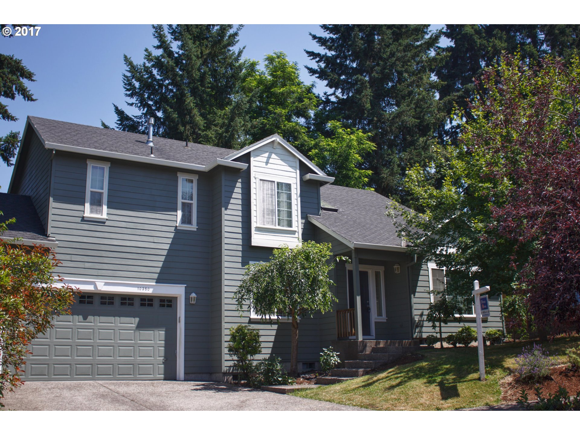A great value home, just outside Murray Hill, Beaverton. 4 bedroom, 2.5 baths, 2 car garage.  Well maintained house. Fireplace, wood floor, vault ceiling, Living room, formal dining room, cul-de-sac court, upgrad Tile counter, new paint inside out in June/2017, new carpet in living/stairs. 2 mo old Dishwasher, toilet.  Beaverton school district.  Blocks from Progress ridge shopping center.