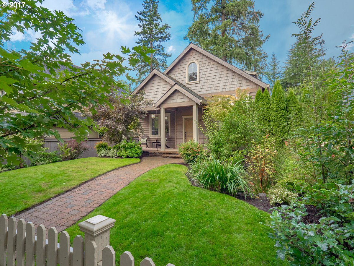 828 8TH ST, Lake Oswego, OR 97034