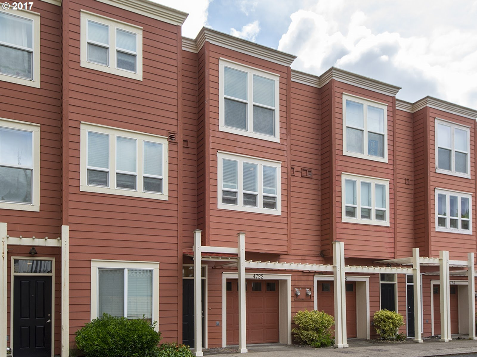 4722 SW VIEW POINT TER, Portland, OR 97239