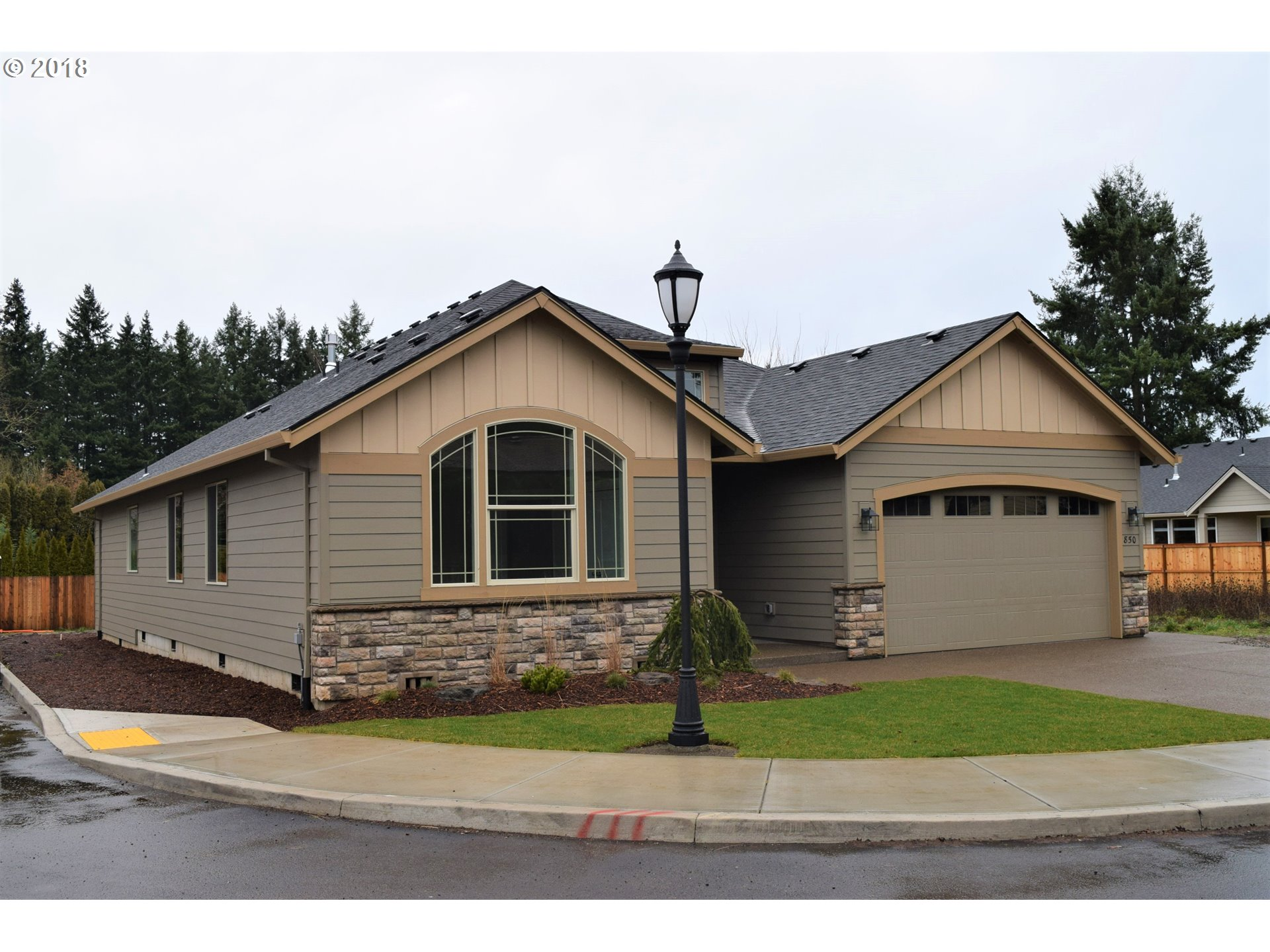 850 Caitlyn PL, Canby, OR 97013