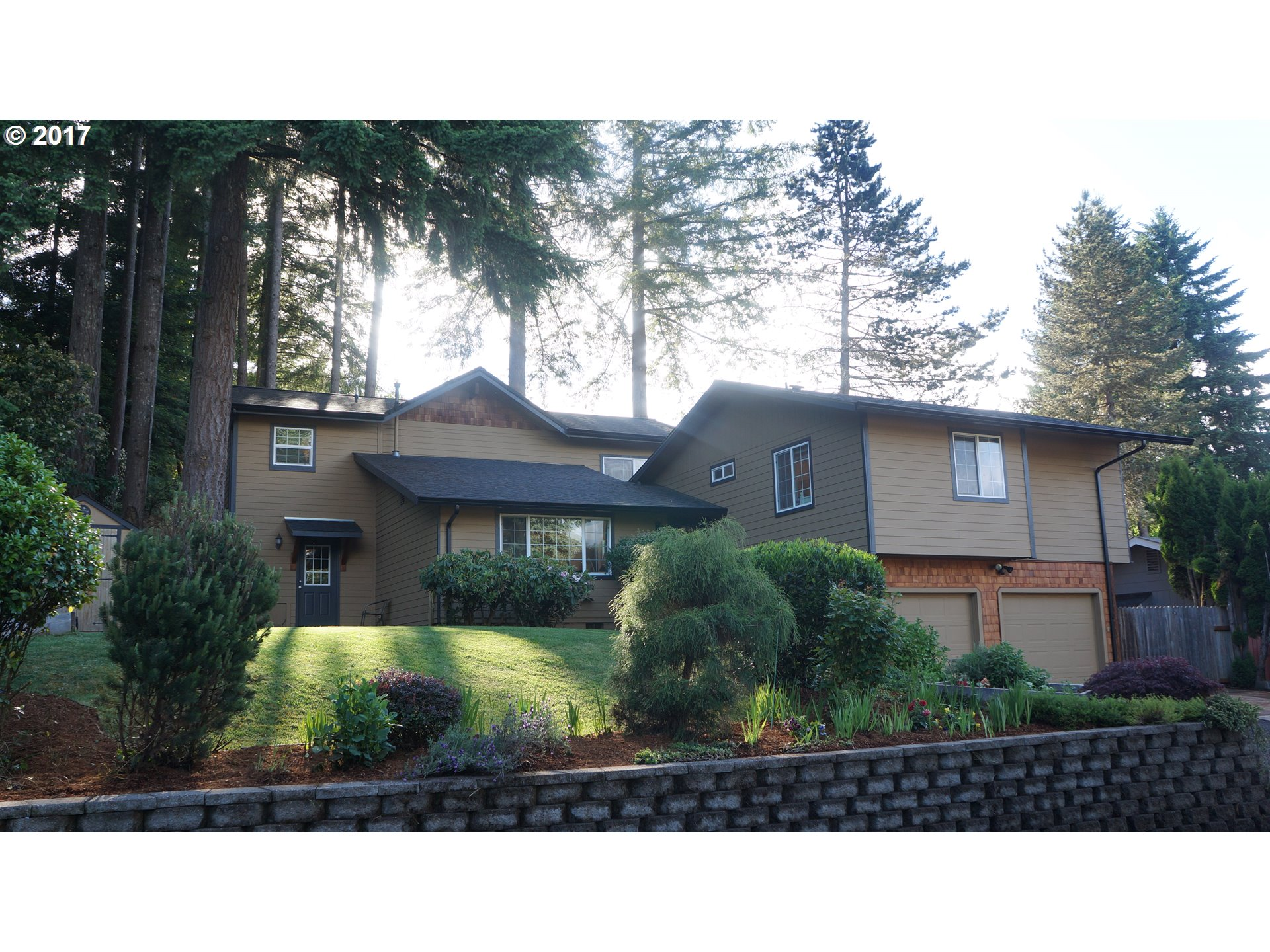 947 S R ST, Cottage Grove, OR 97424