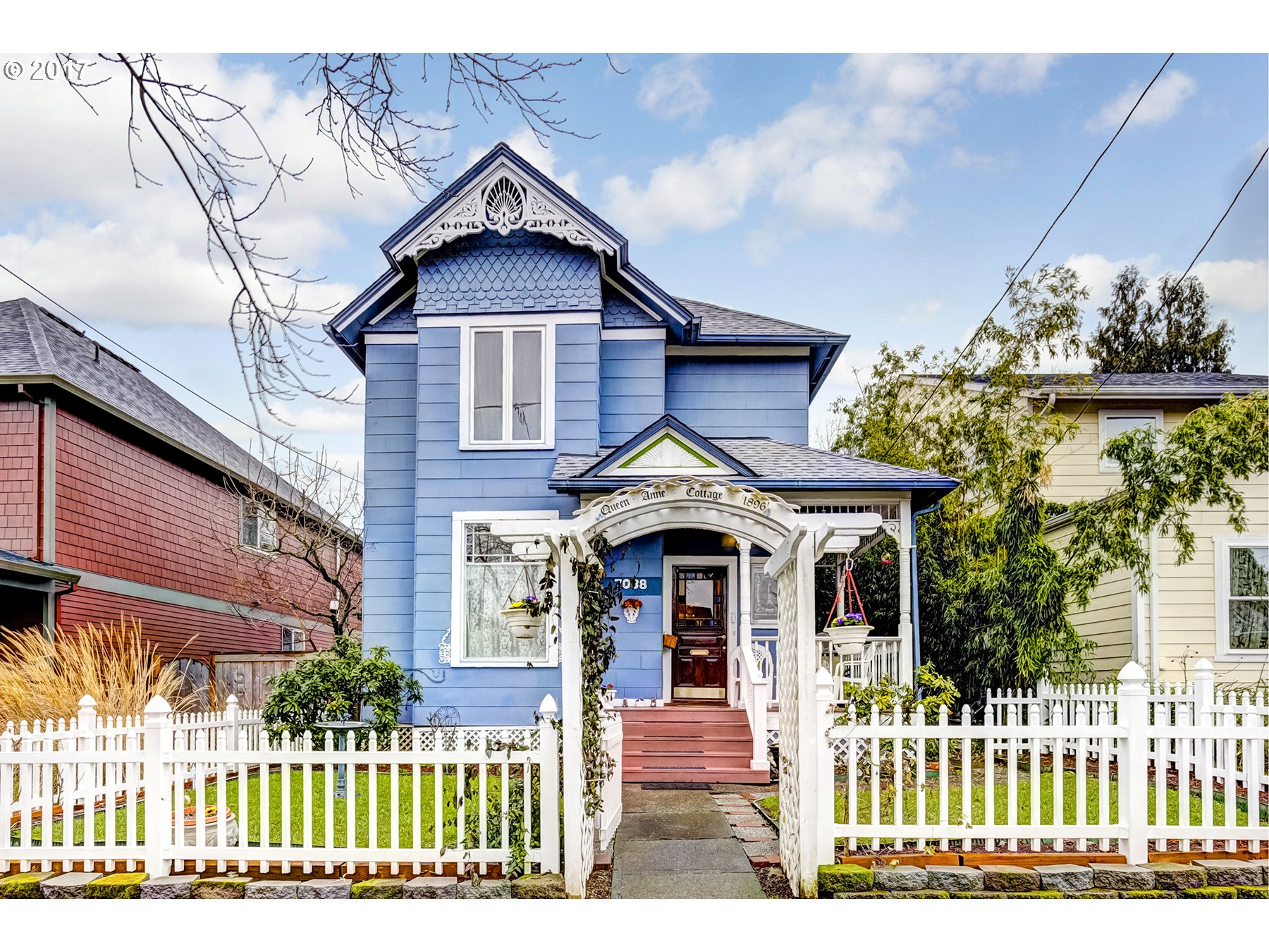 Historic Victorian charm in Arbor Lodge. This elegant Queen Anne has been restored for the modern family. High ceilings and period details throughout. Royal Ann cherry tree, blueberries and fragrant roses highlight the tidy yard. Wonderful, walkable east side neighborhood. Live close to city center in a quiet, safe environment. One block to water and city skyline views on Willamette. Two blocks to your coffee or dining on Lombard.