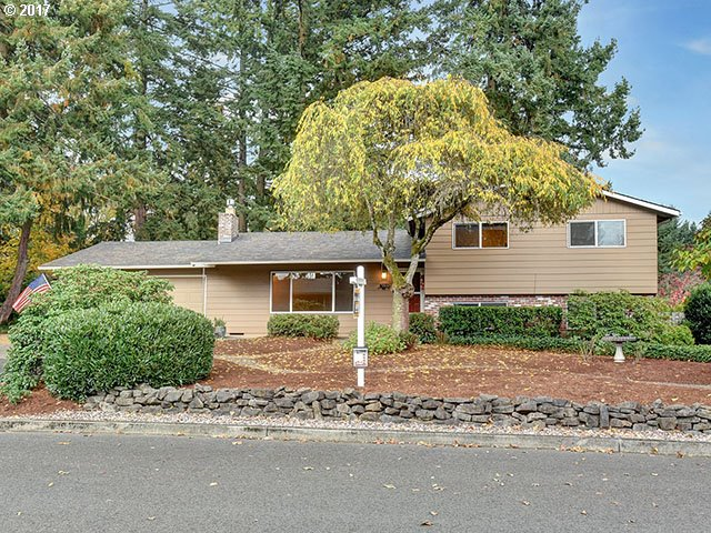 504 BARCLAY AVE, Oregon City, OR 97045