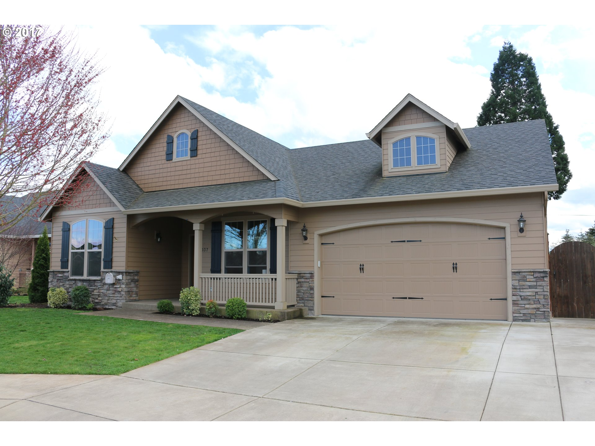 1037 KAYLEE AVE, Junction City, OR 97448