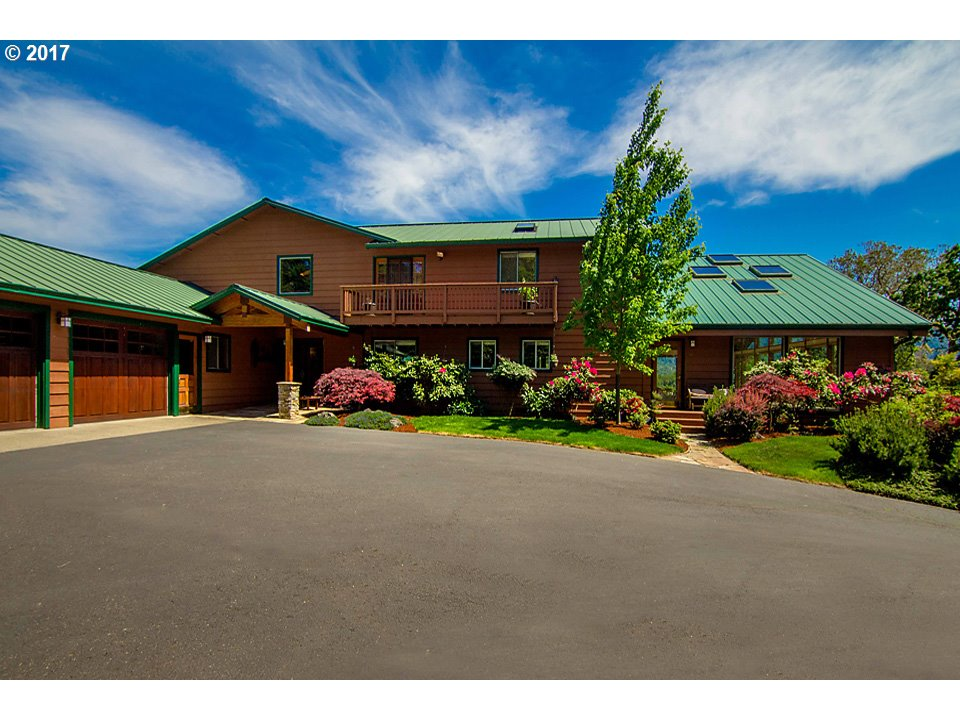 Roseburg, OR 5 Bedroom Home For Sale