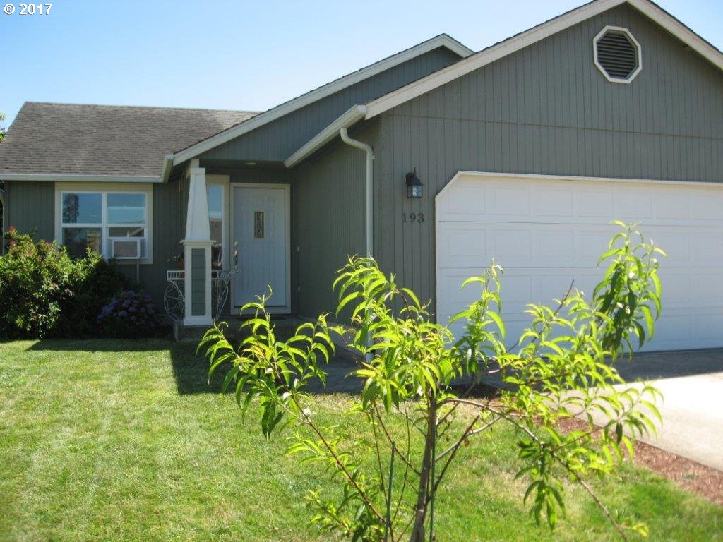 193 ROBIN CT, Creswell, OR 97426
