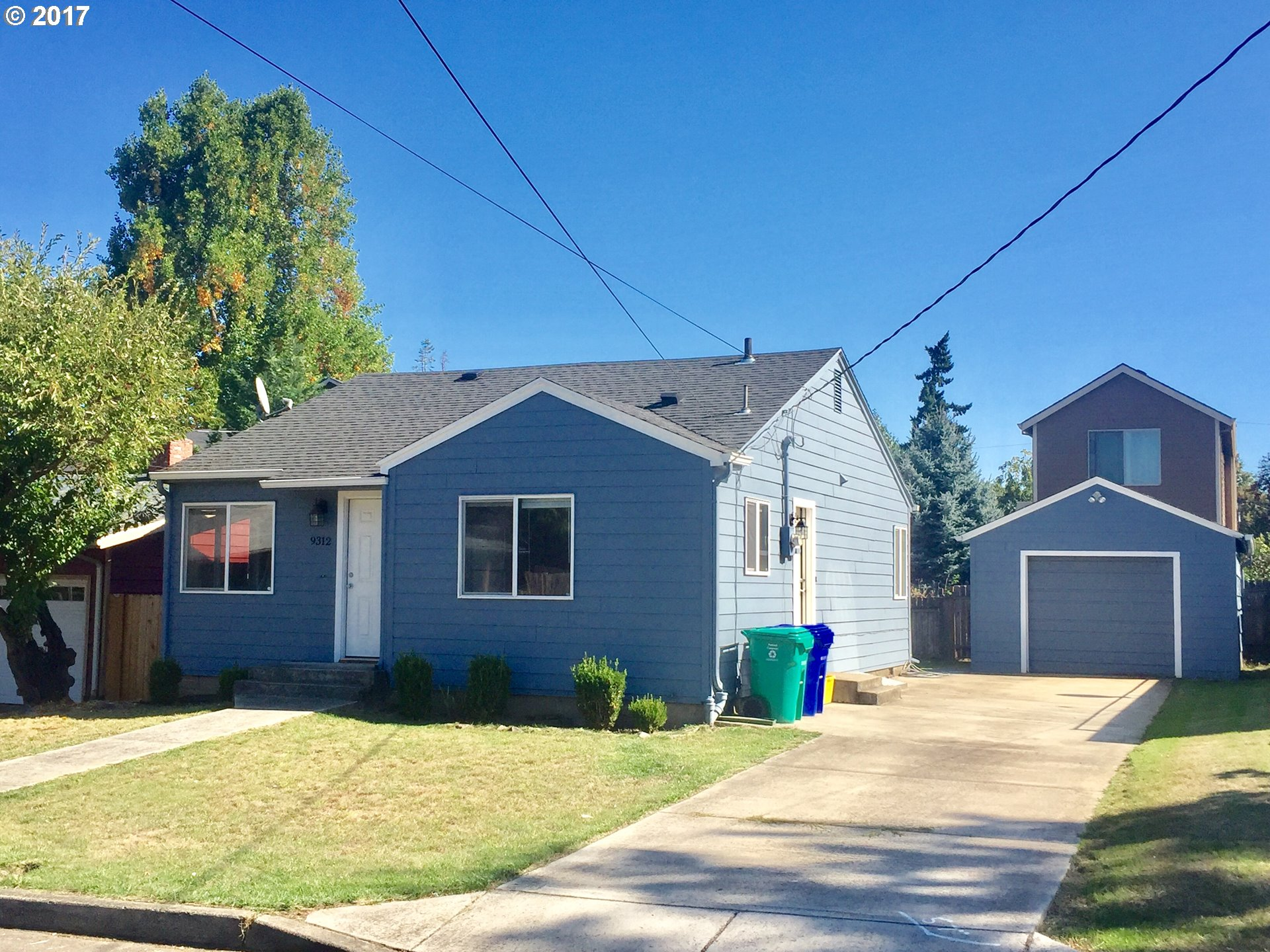 Nice 2 bedroom in a Great St. Johns Location. Remodeled home that is very energy efficient. This home includes bamboo flooring, newer roof and siding, nice back yard, detached garage and much more.