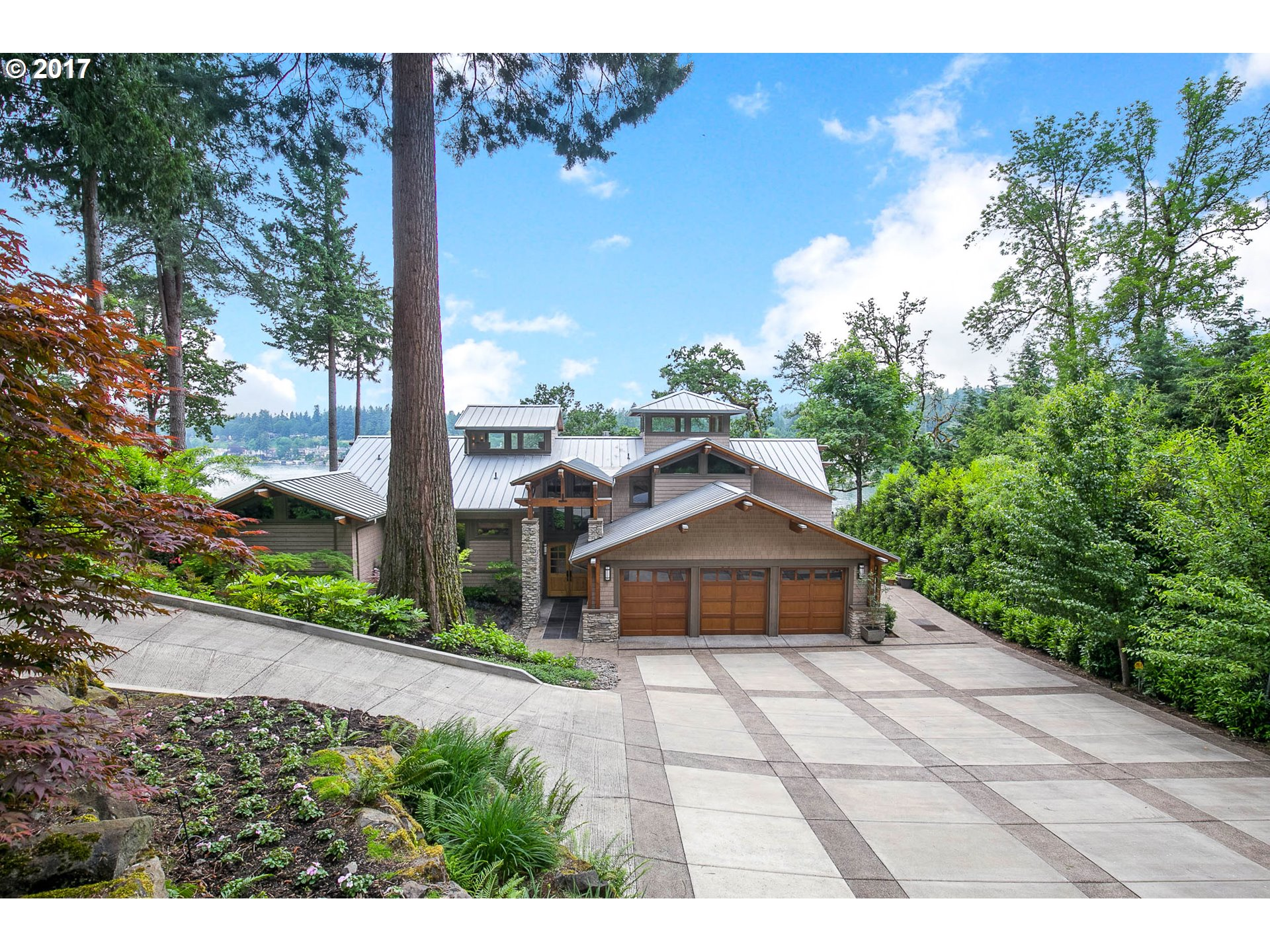 16661 PHANTOM BLUFF CT, Lake Oswego, OR 97034
