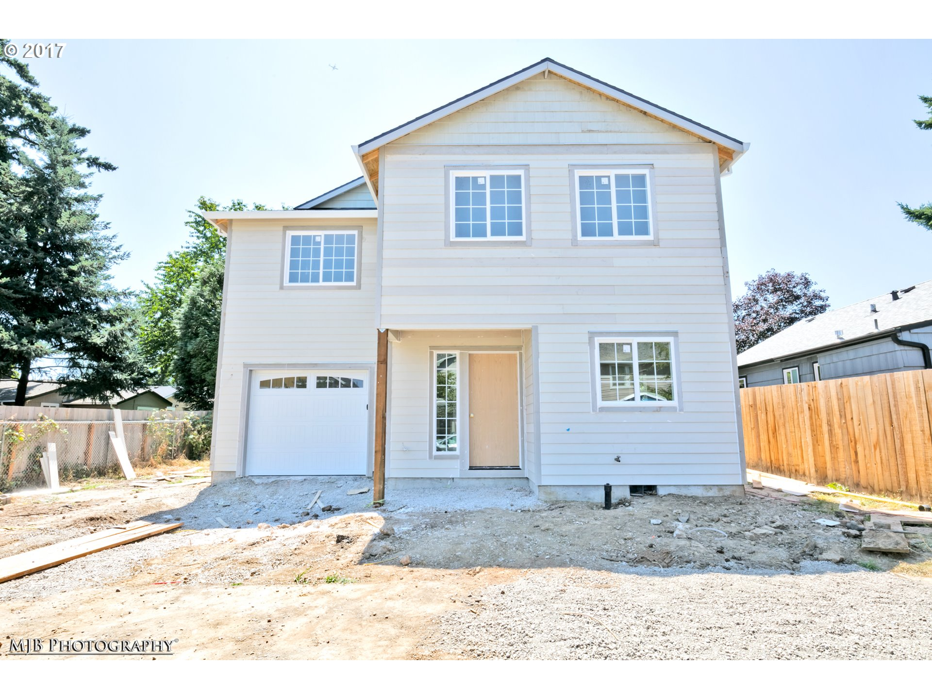 Beautiful new construction w/garage in NoPo near shopping, dining, transit, & freeway access! Also near other pop neighbrhds: Mississippi, Arbor Lodge & U of P! BikeScore 80! Quality finishes, built by a long time, local builder! 3 bdrm, 2 1/2 bth w/wood flrs on main, open kitch w/SS apps, forced air heating, hi-ceilings, &much more! Nearly complete & ready for occupancy for summer!