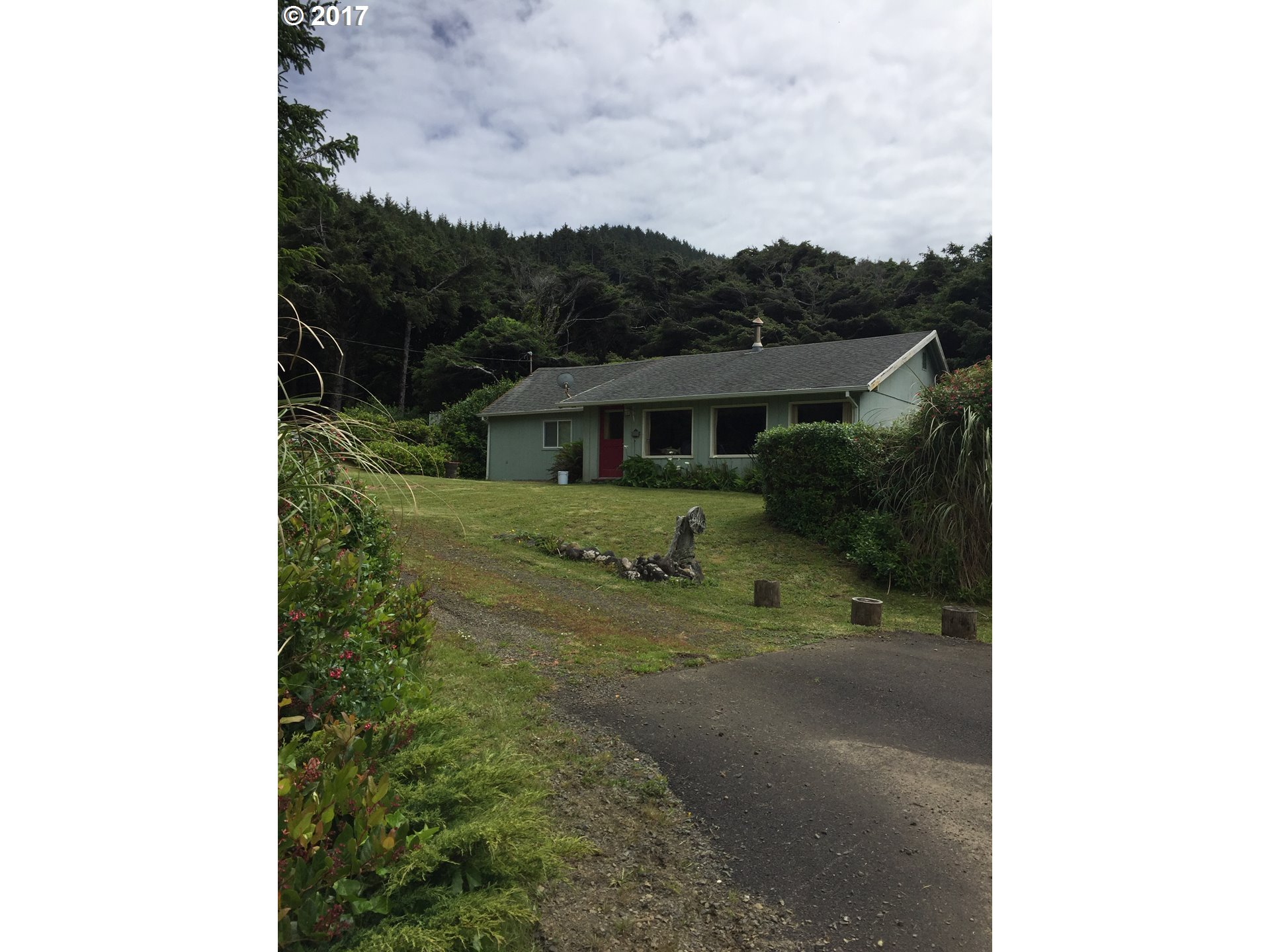 95083 HWY 101, Yachats, OR 97498