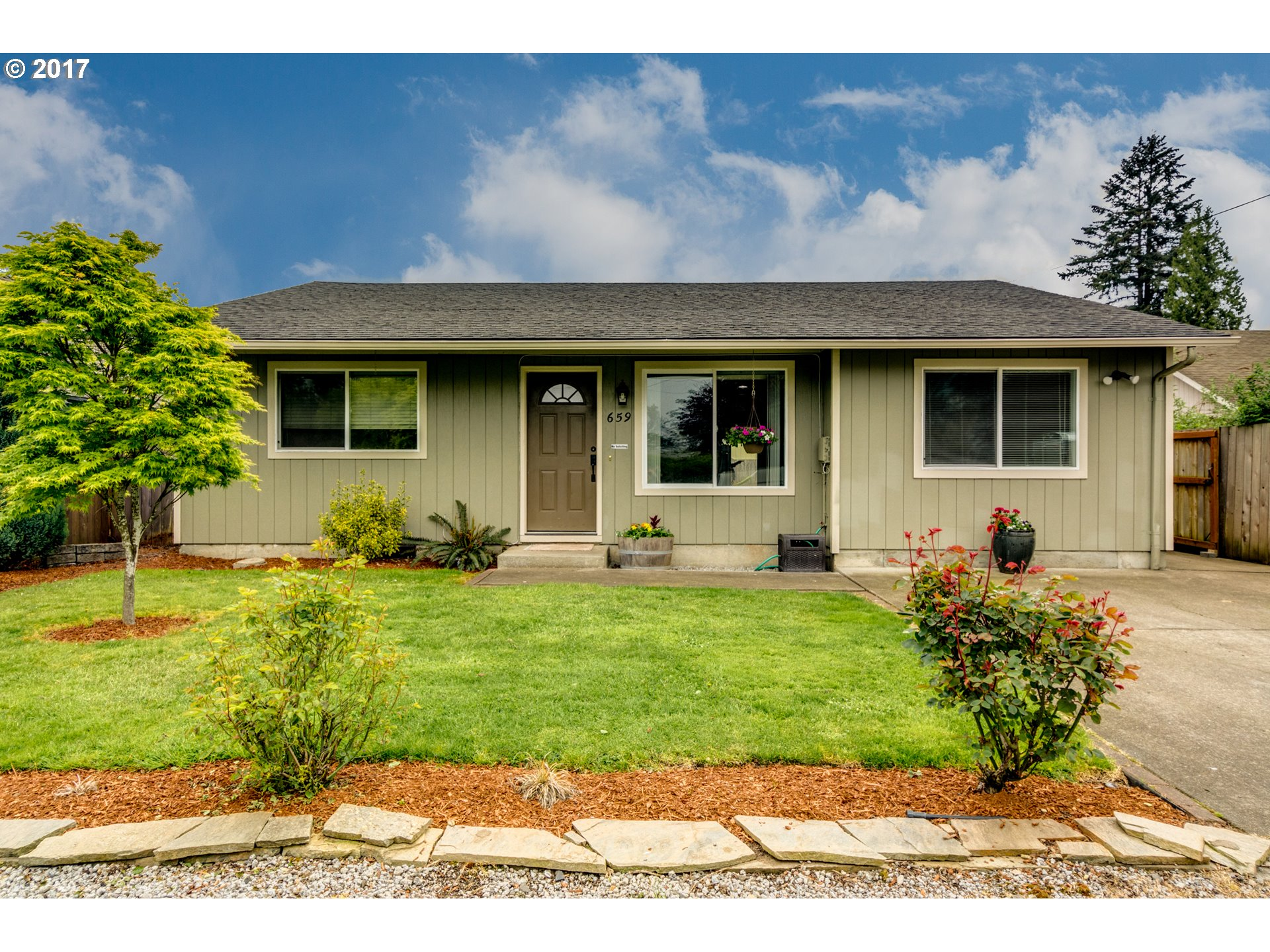 659 SE 11TH ST, Dundee, OR 97115