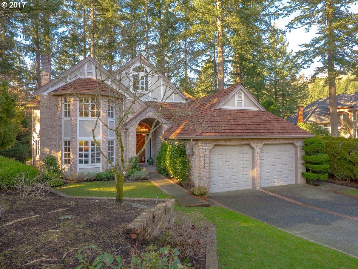 15536 VILLAGE DR, Lake Oswego, OR 97034