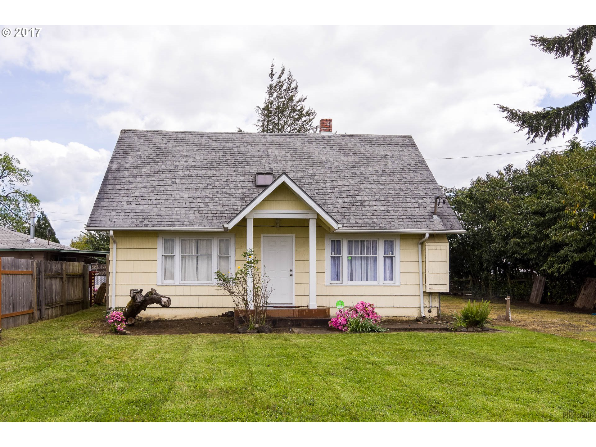 2133 LAURA ST, Springfield OR 97477