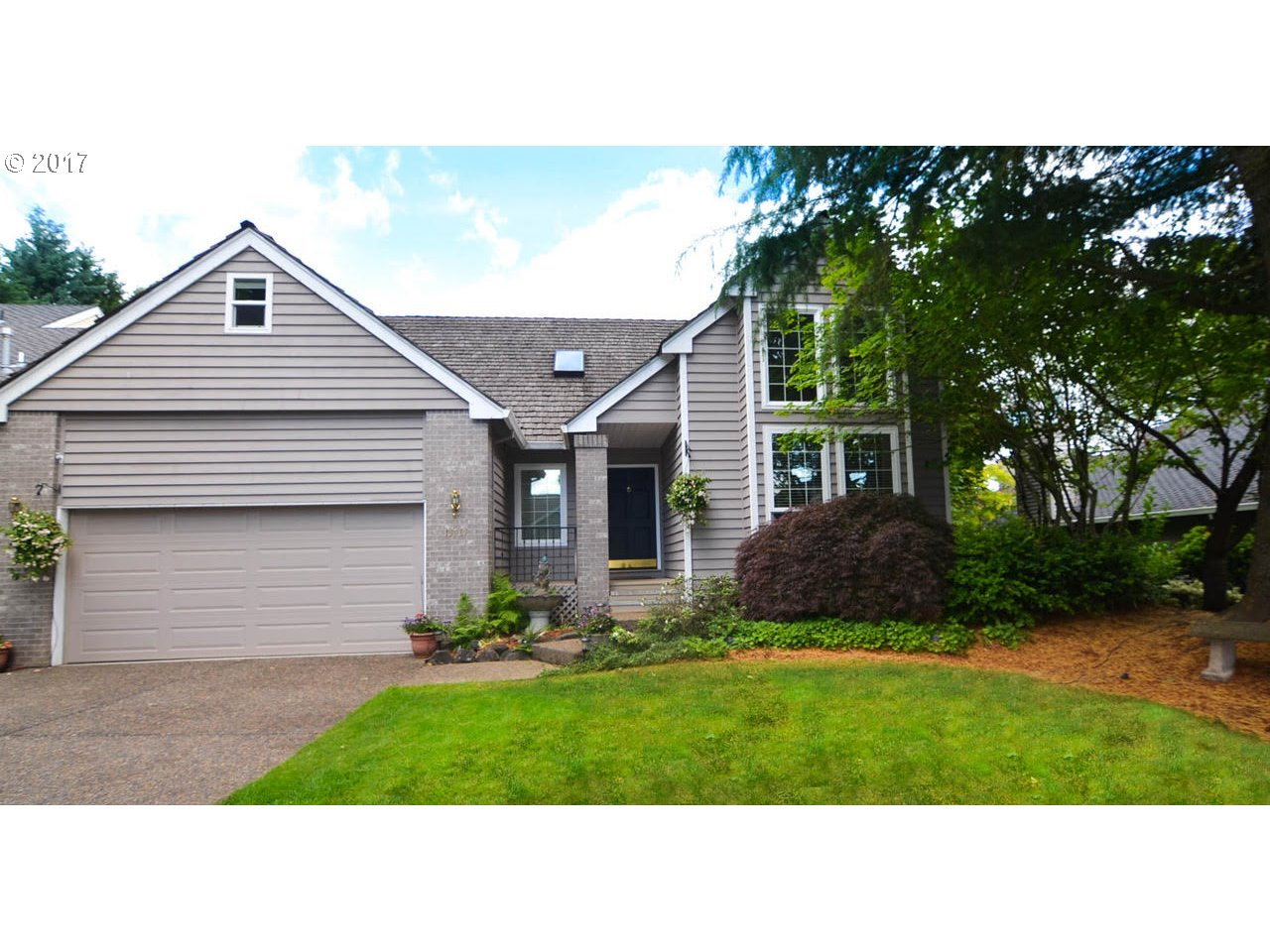 13731 PROVINCIAL HILL DR, Lake Oswego, OR 97035