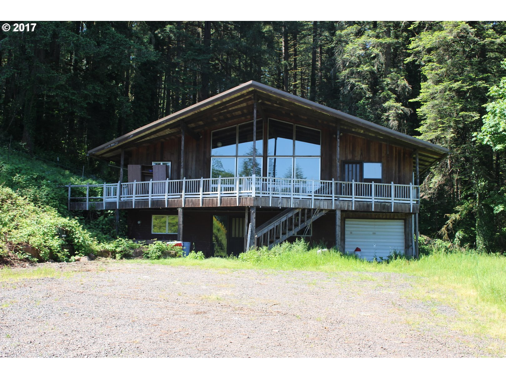 38930 PLACE RD, Lowell, OR 97452