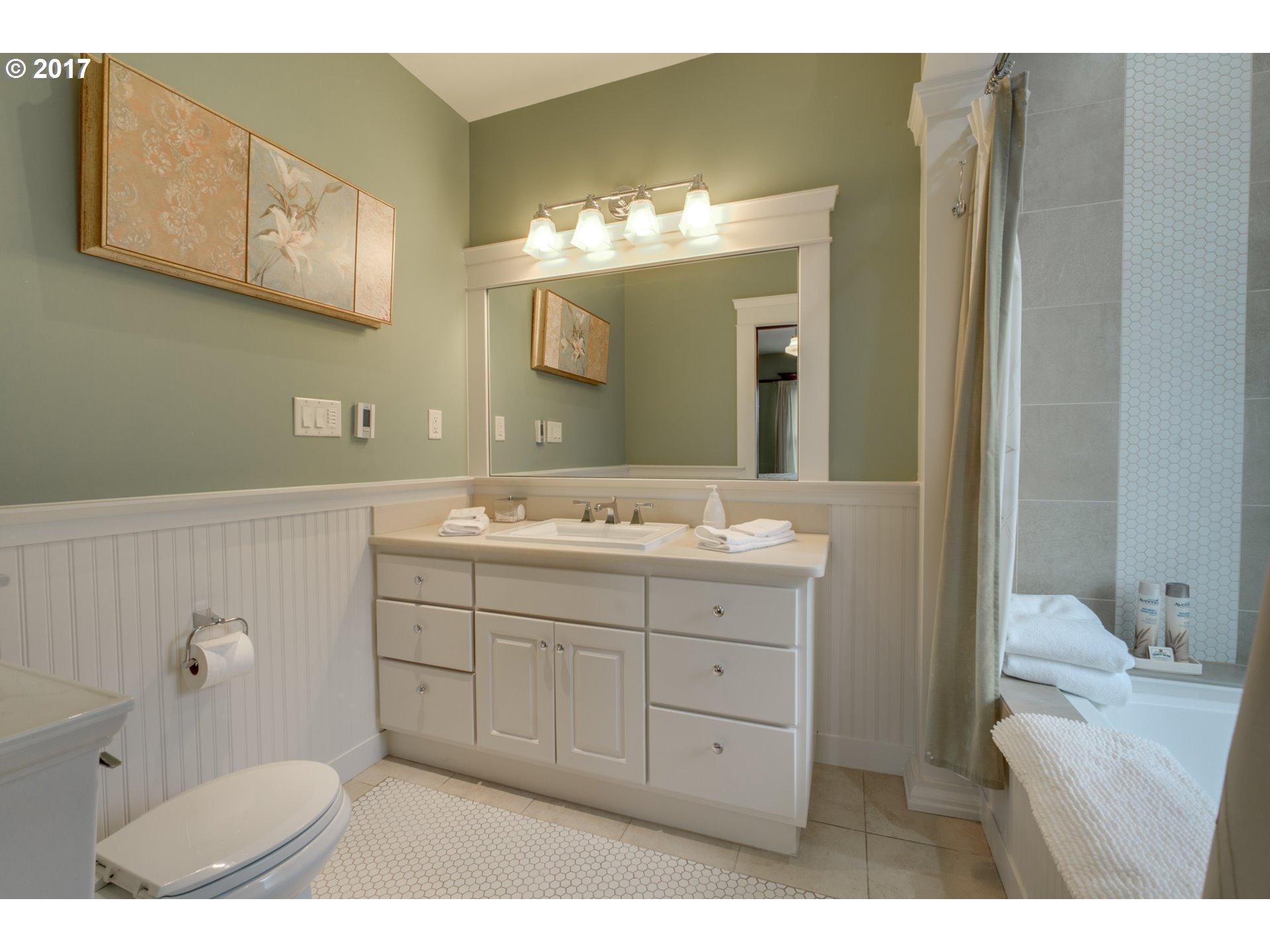 401 N HOWARD ST Newberg, OR 97132 - MLS #: 17292509