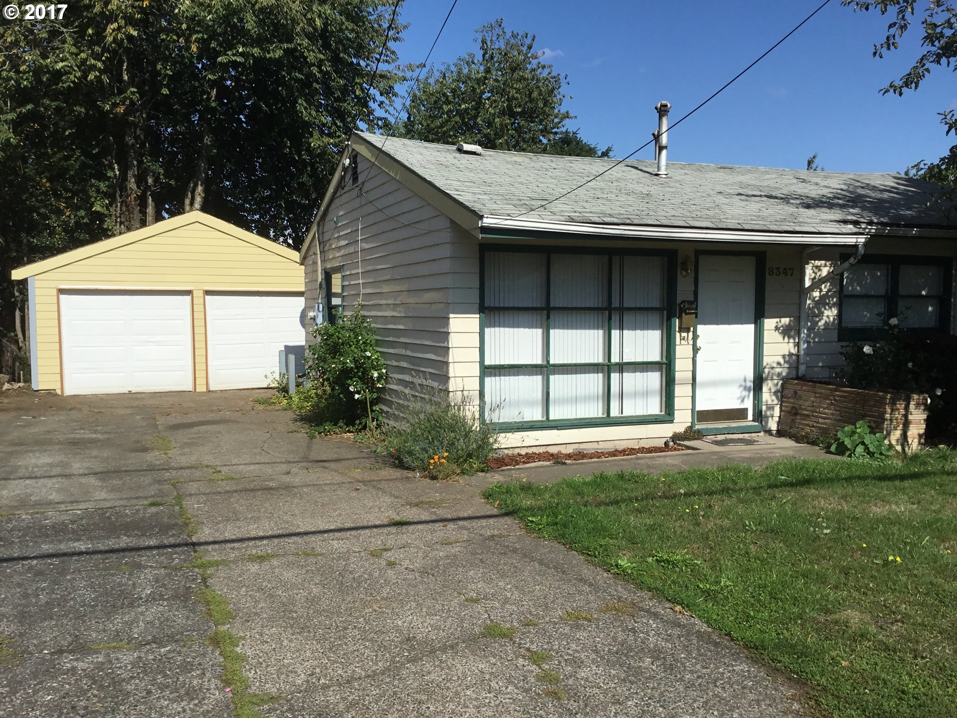 Convenient Ranch Style Home in popular Saint Johns Neighborhood.  Hard to find, three Bedrooms, one bathroom with double car garage, driveway for RV, large fenced back yard.