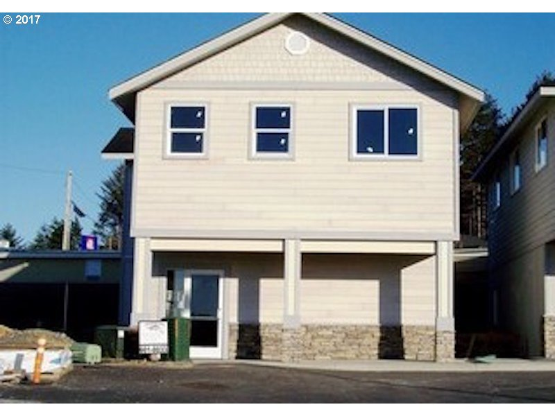 Brookings, OR  Bedroom Home For Sale