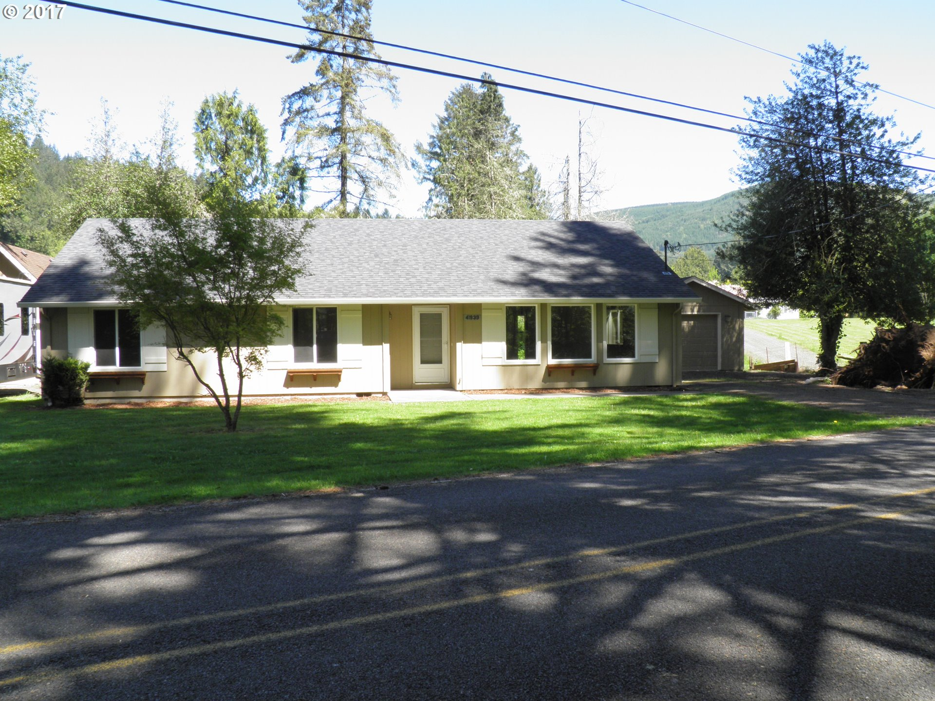 41939 HOLDEN CREEK LN, Springfield, OR 97478