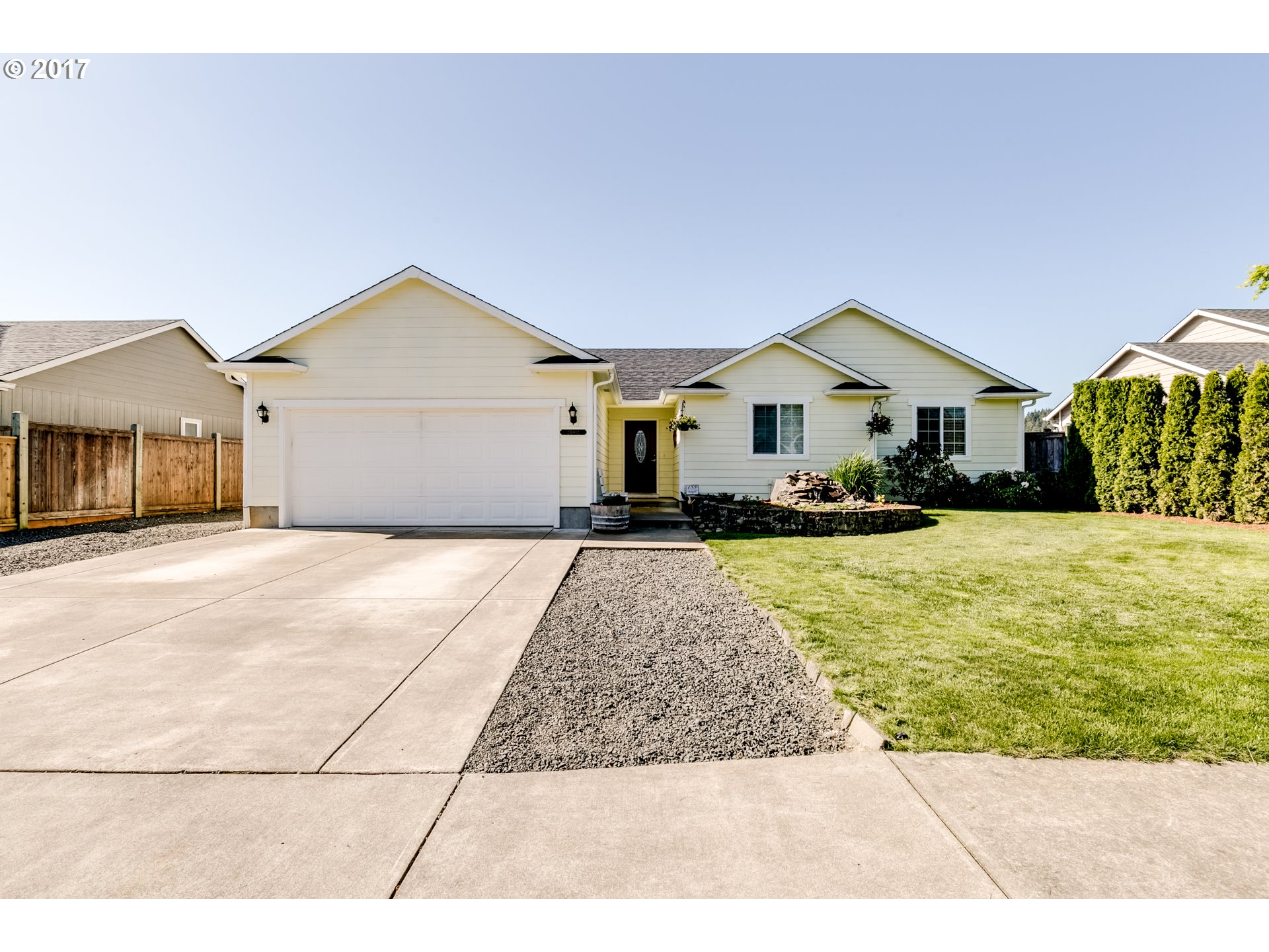 24902 KINGPIN LOOP, Veneta, OR 97487