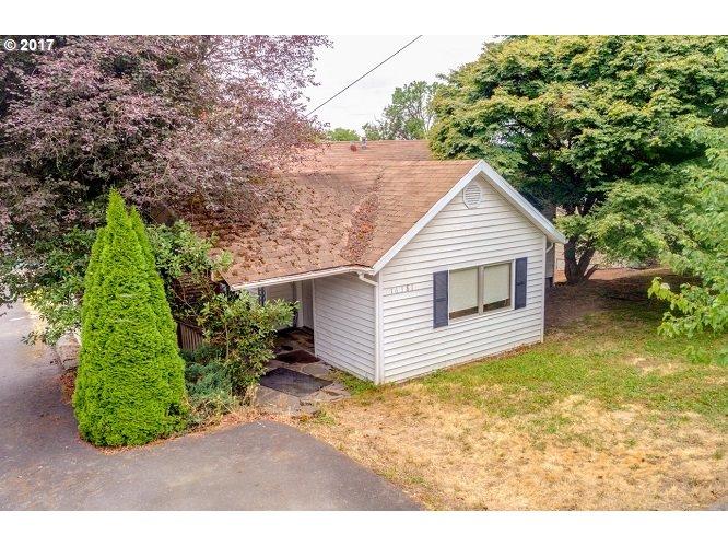 16381 HUNTER AVE, Oregon City, OR 97045