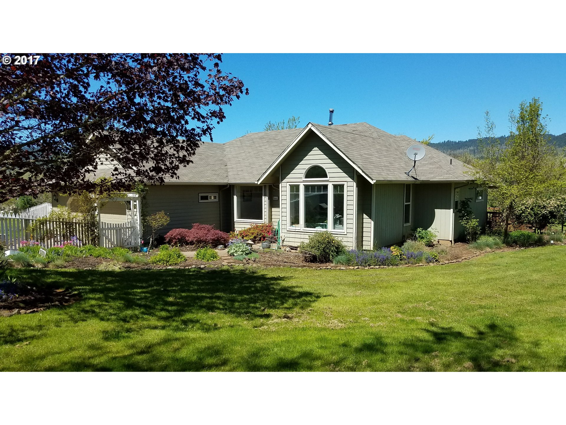31097 CAMAS SWALE RD, Creswell, OR 97426