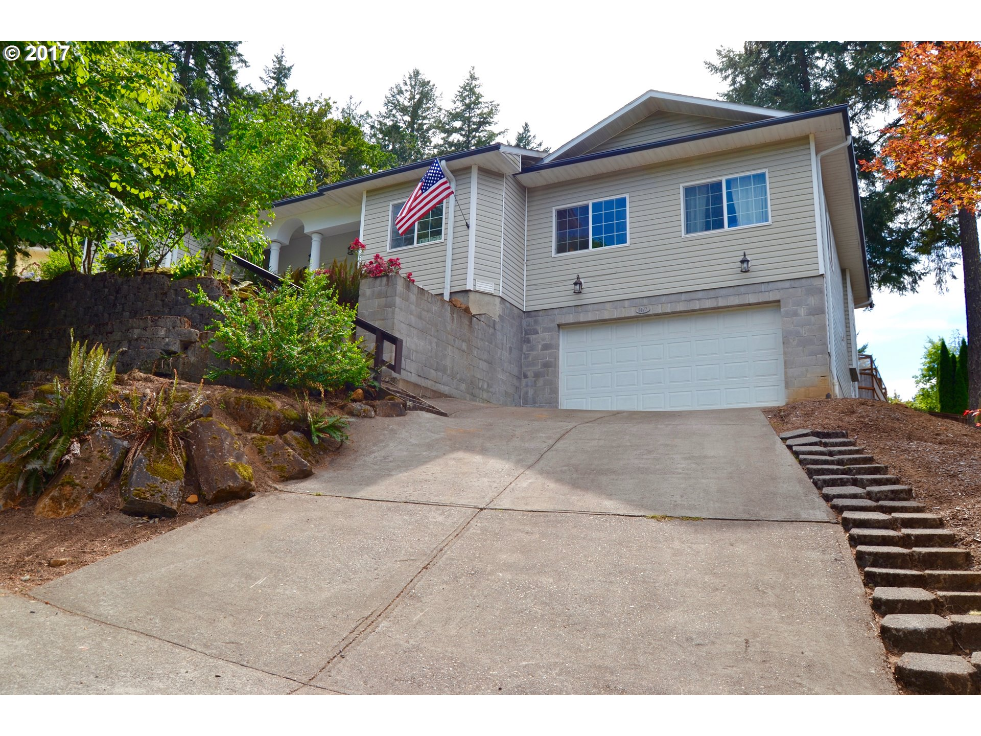 1172 S 69TH PL, Springfield OR 97478