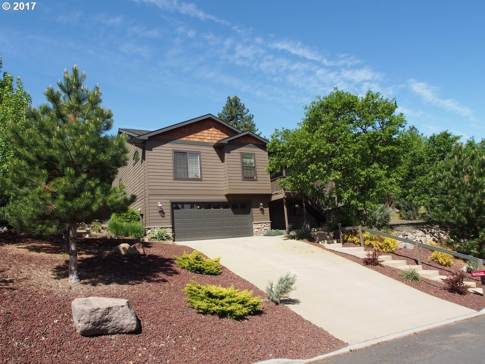 1301 STERLING DR, The Dalles, OR 97058