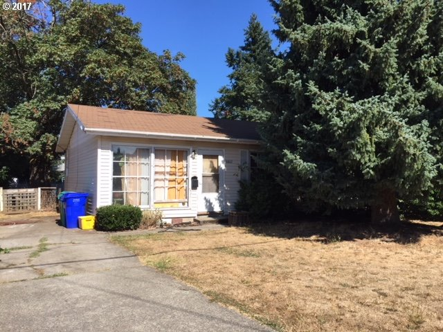 Cute 1960 ranch with hardwoods, waiting for your personal touches.  Great bones, great buy! Close to New Seasons, Fred Meyer, banking, several parks, & Peninsula Crossing Trail. Walk Score 79, Bike Score 92!