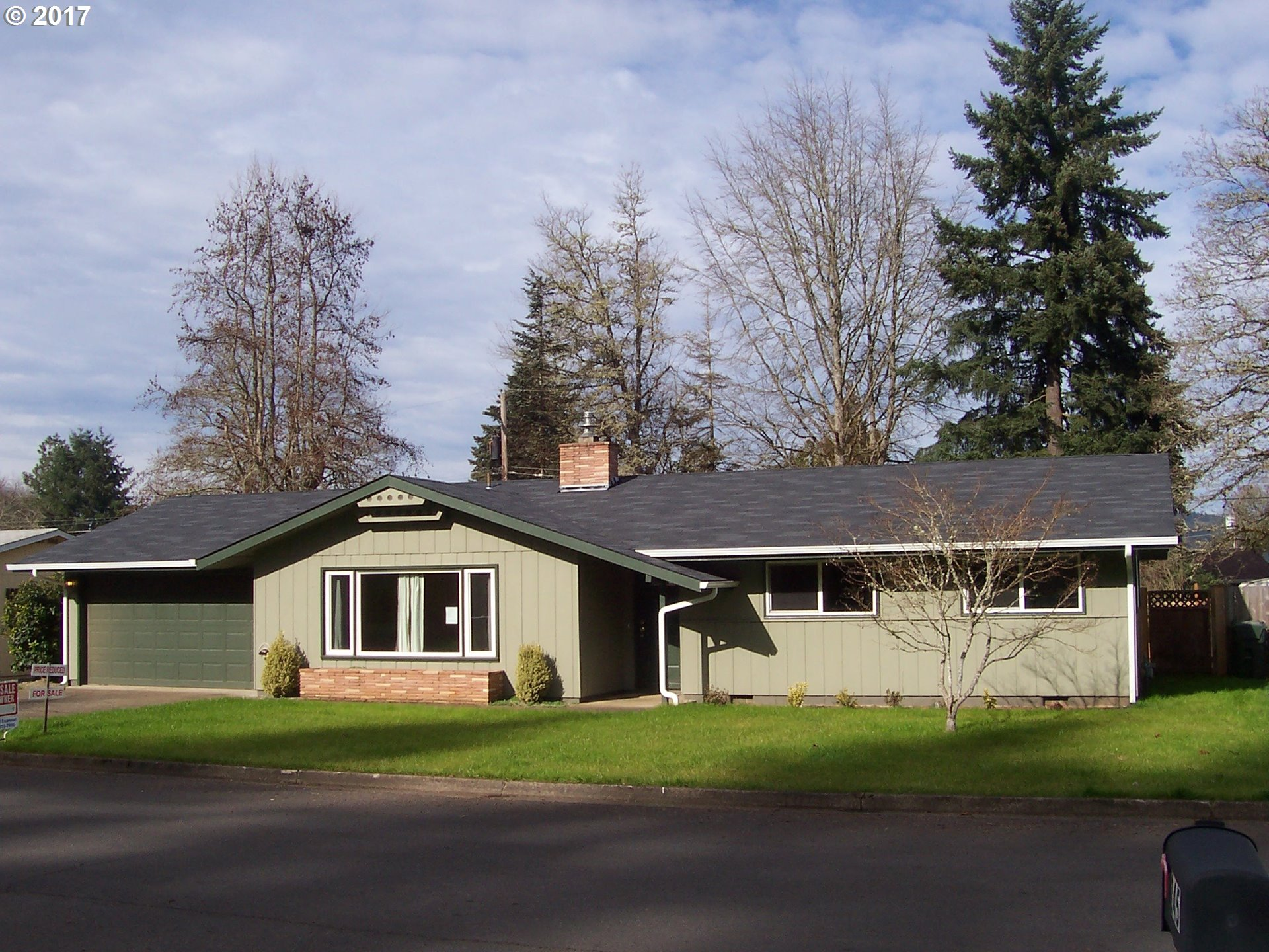 248 HAYES AVE, Cottage Grove, OR 97424