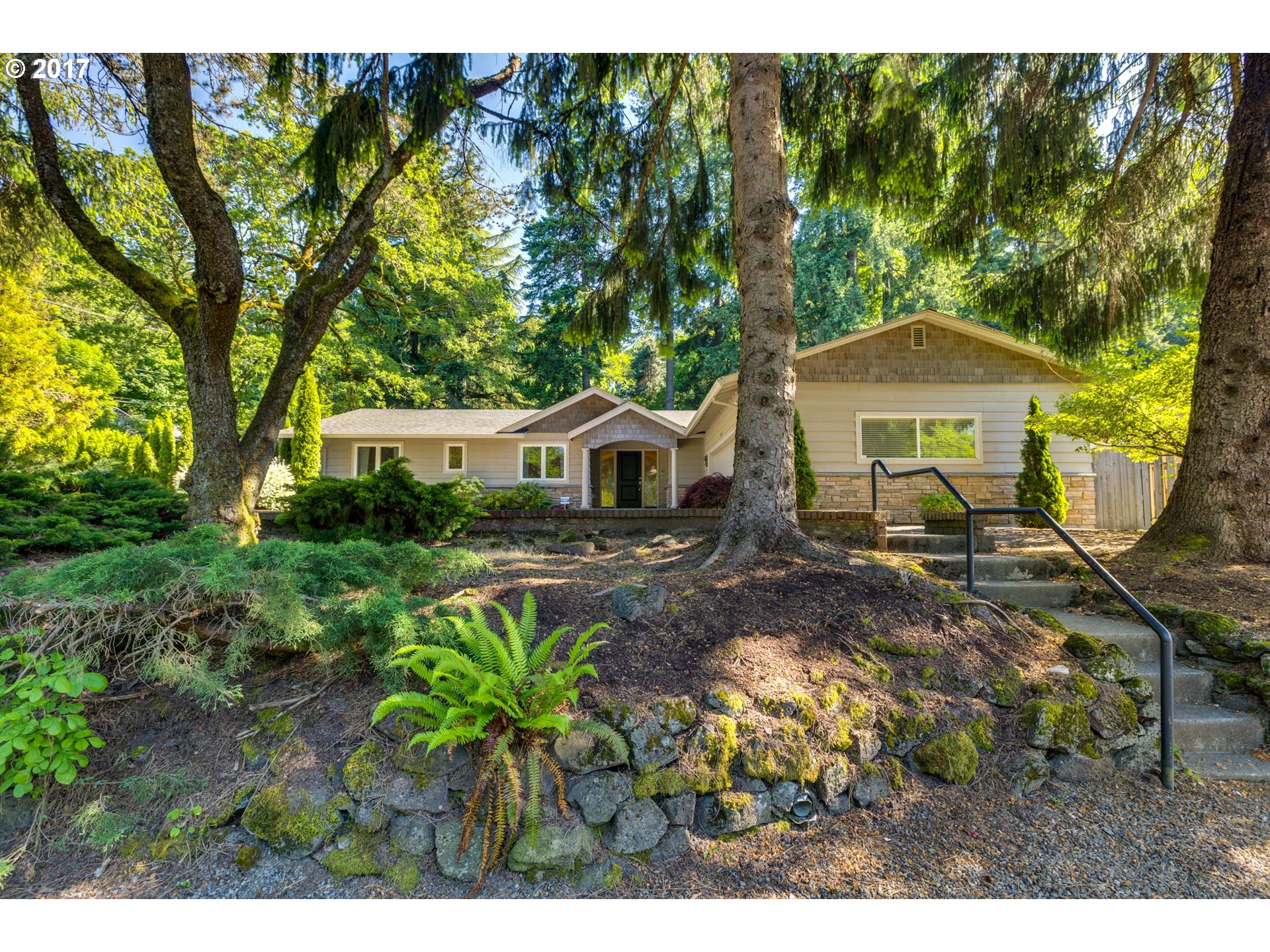 2110 GREENTREE RD, Lake Oswego, OR 97034