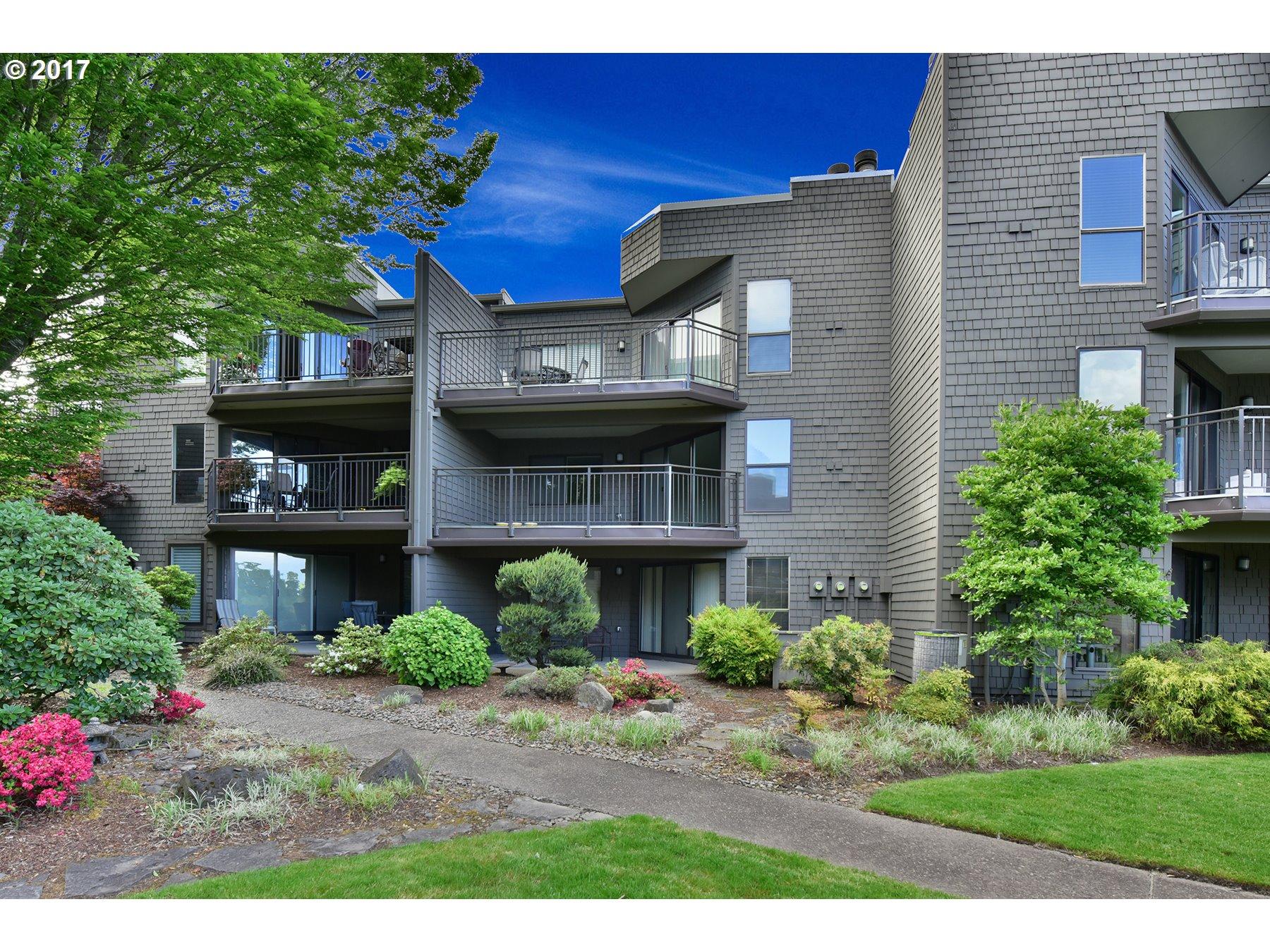 5624 SW RIVERSIDE LN 8, Portland, OR 97239